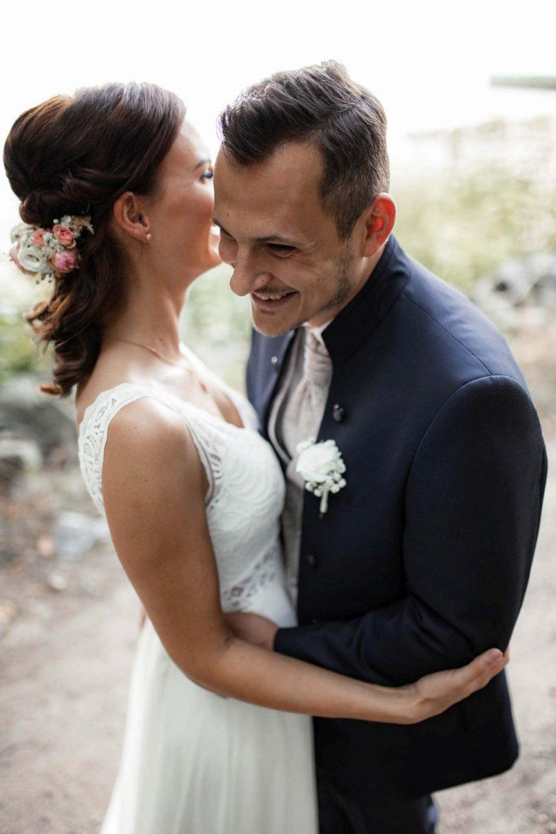 Als Hochzeitsfotograf in Undenheim: Freie Trauung von Tamara und Martin im Junghof 51