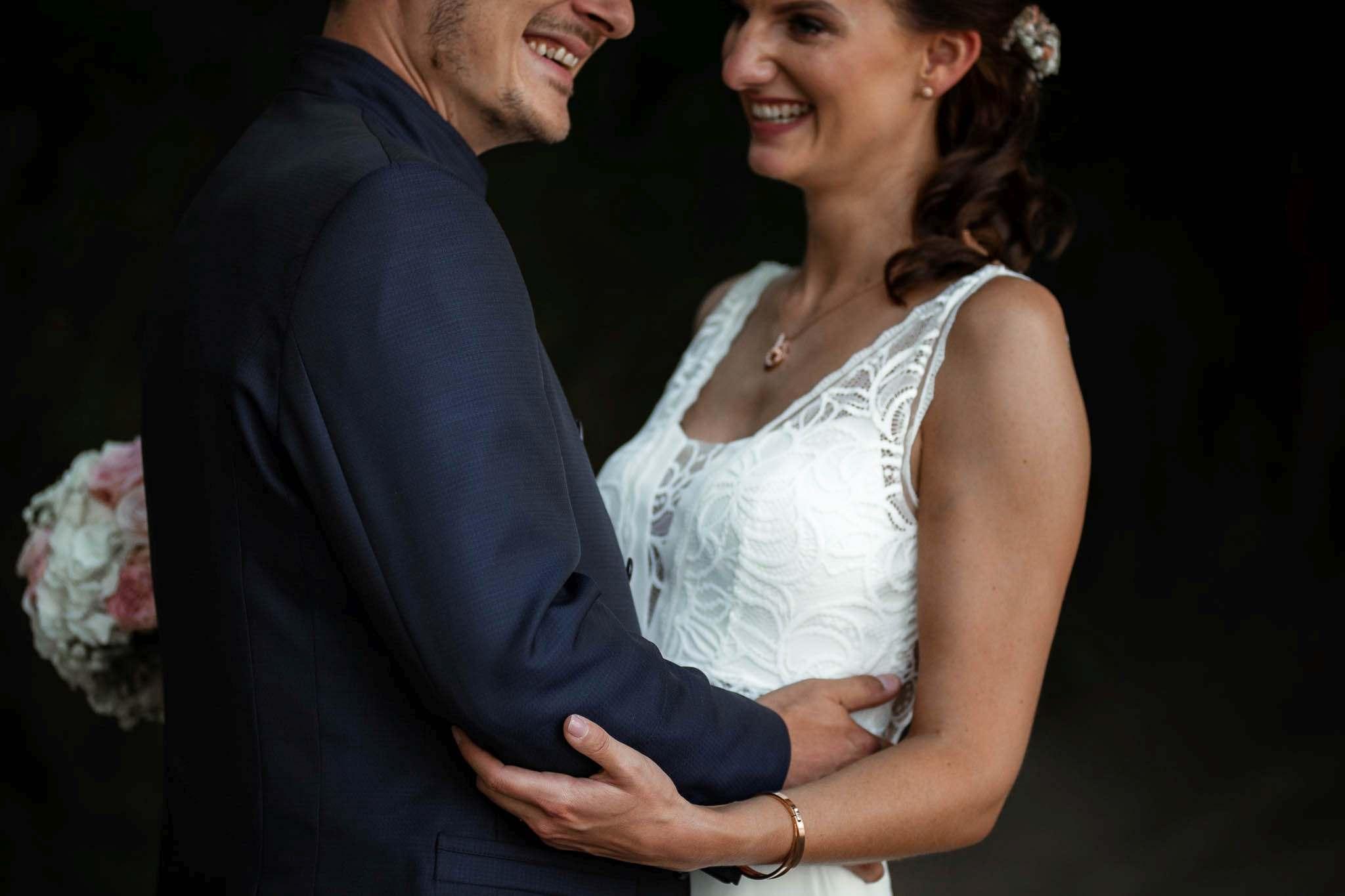 Als Hochzeitsfotograf im Weingut Junghof Undenheim: Hochzeit von Tamara und Martin 31