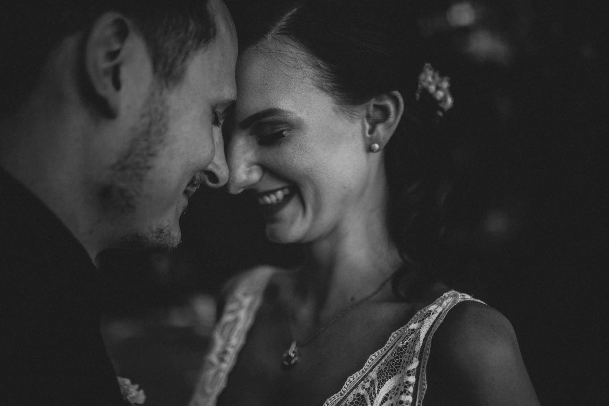 Als Hochzeitsfotograf im Weingut Junghof Undenheim: Hochzeit von Tamara und Martin 33