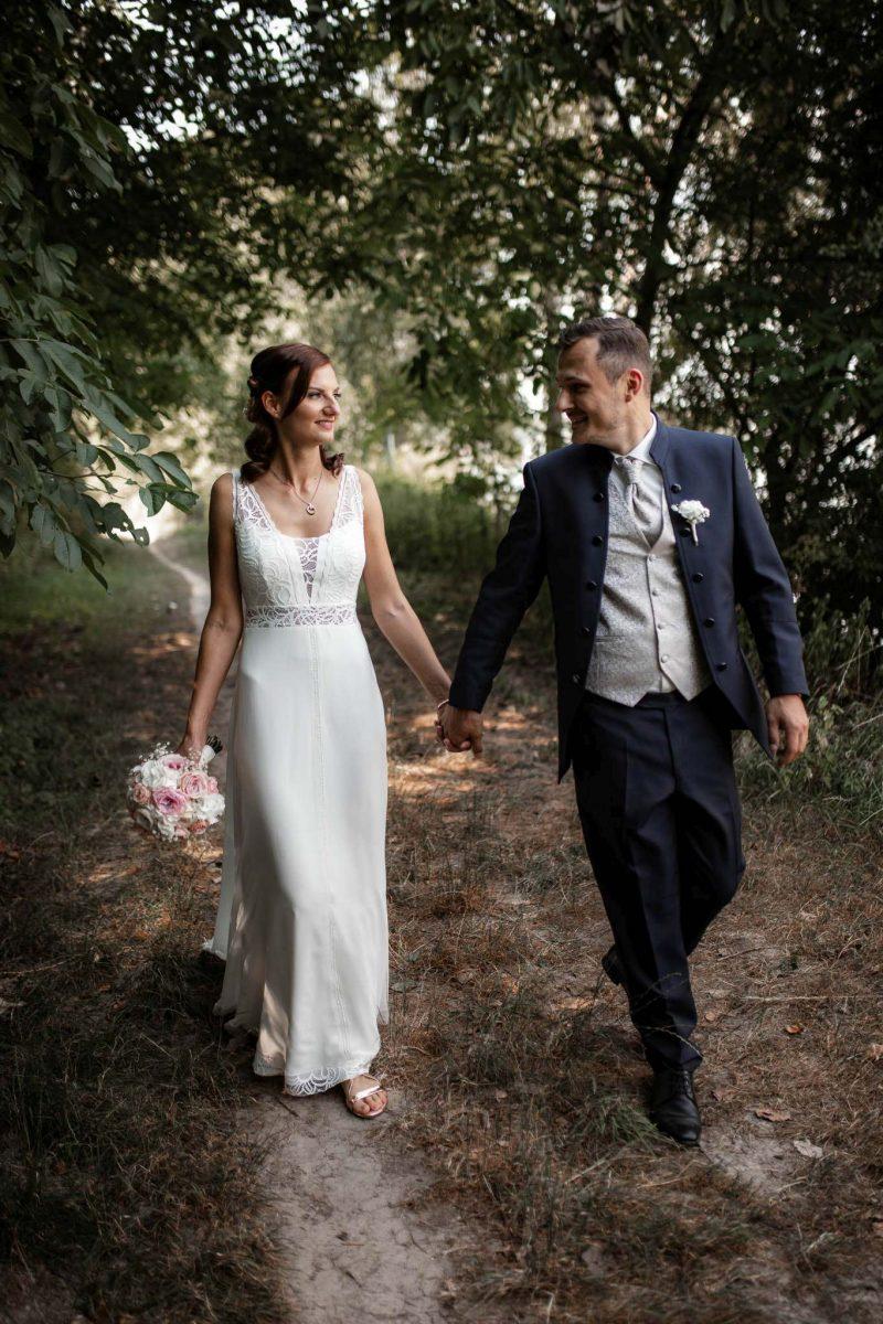 Als Hochzeitsfotograf in Undenheim: Freie Trauung von Tamara und Martin im Junghof 59