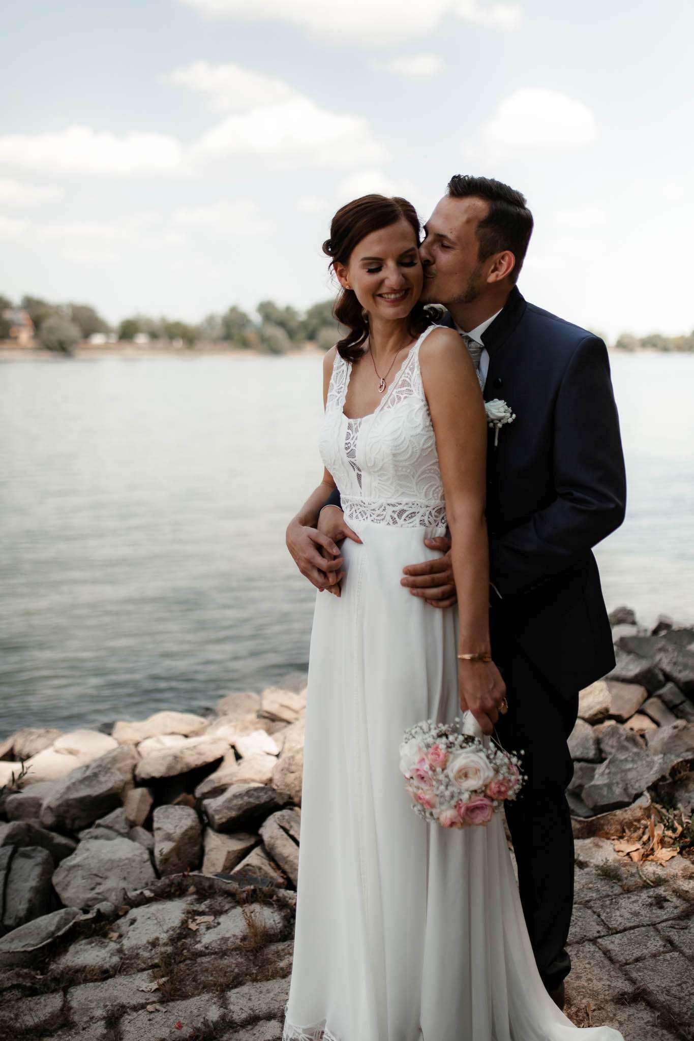 Als Hochzeitsfotograf im Weingut Junghof Undenheim: Hochzeit von Tamara und Martin 38