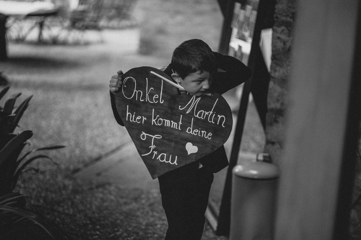 Als Hochzeitsfotograf in Undenheim: Freie Trauung von Tamara und Martin im Junghof 70
