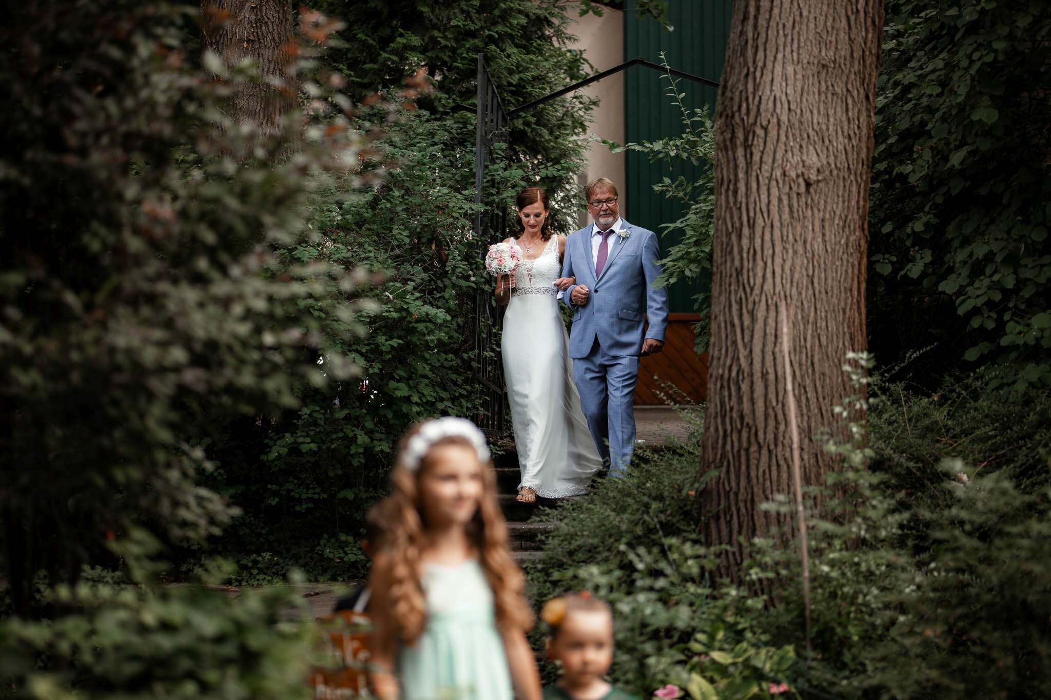Als Hochzeitsfotograf im Weingut Junghof Undenheim: Hochzeit von Tamara und Martin 44