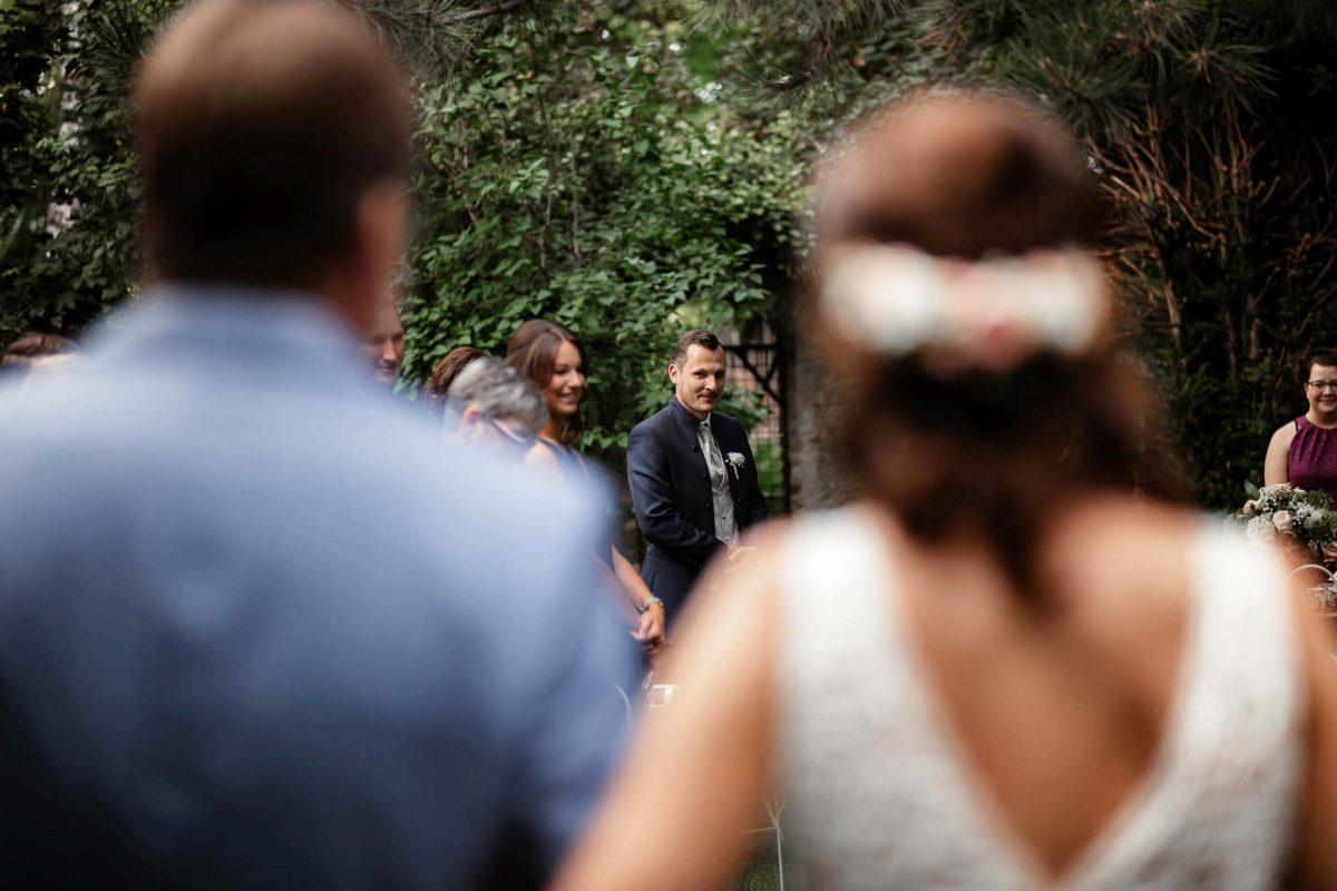 Als Hochzeitsfotograf in Undenheim: Freie Trauung von Tamara und Martin im Junghof 74