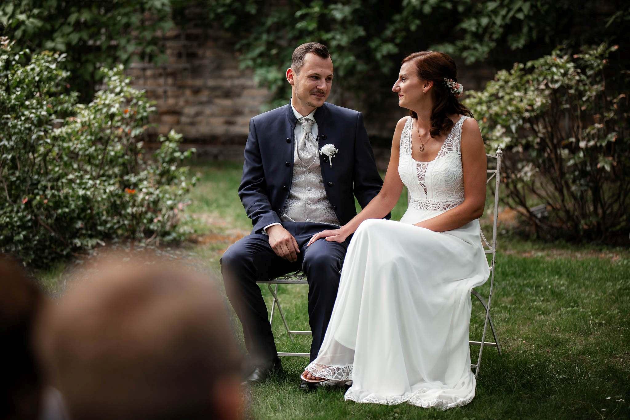 Als Hochzeitsfotograf im Weingut Junghof Undenheim: Hochzeit von Tamara und Martin 47