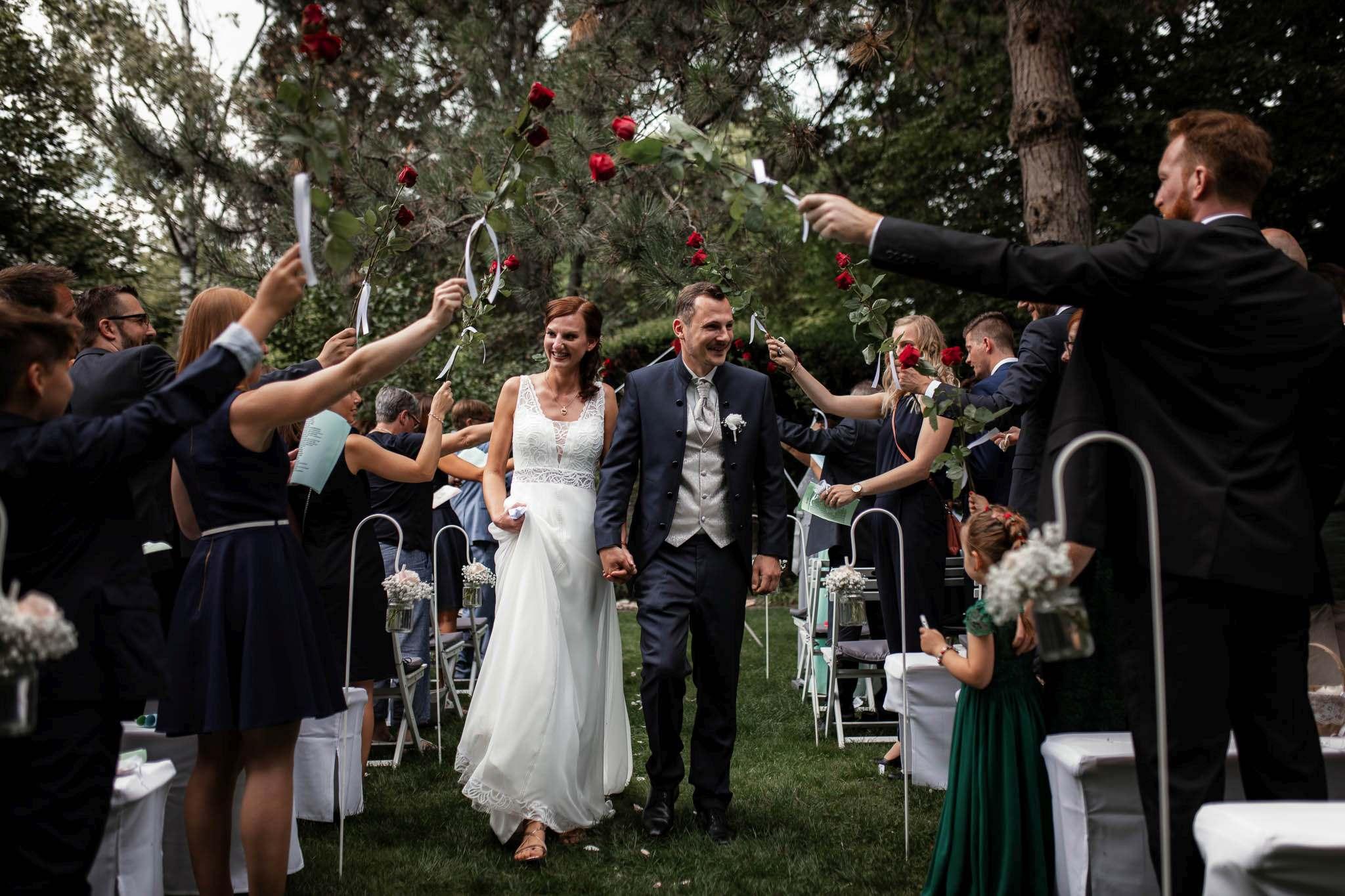 Als Hochzeitsfotograf im Weingut Junghof Undenheim: Hochzeit von Tamara und Martin 59