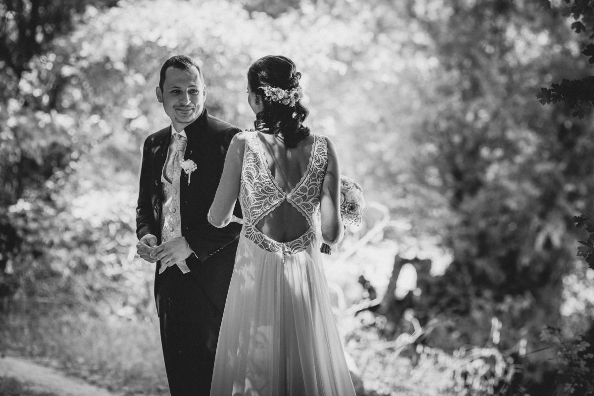 Als Hochzeitsfotograf in Undenheim: Freie Trauung von Tamara und Martin im Junghof 38