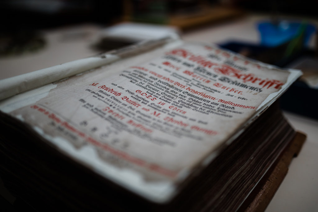 Deckblatt der Bibel