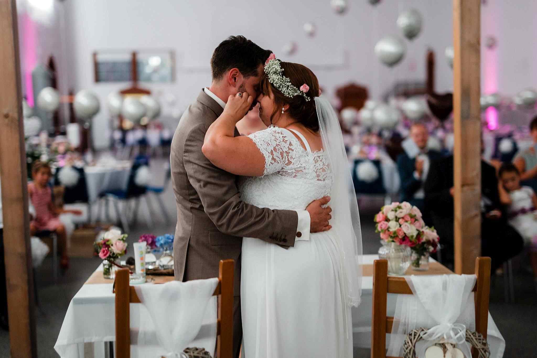 Der Hochzeitskuss - freie Trauung in Worms, Kesselhaus