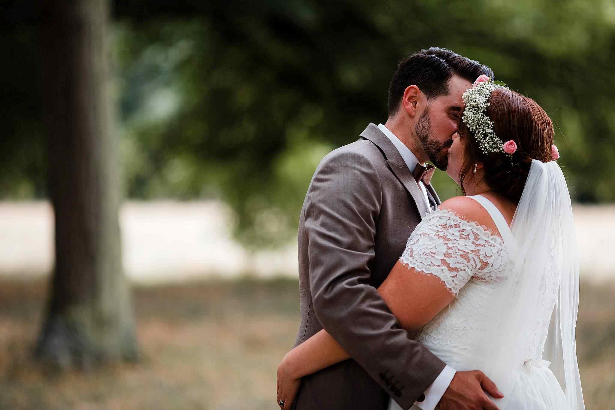 Das Brautpaar nach ihrer freien Trauung in Worms