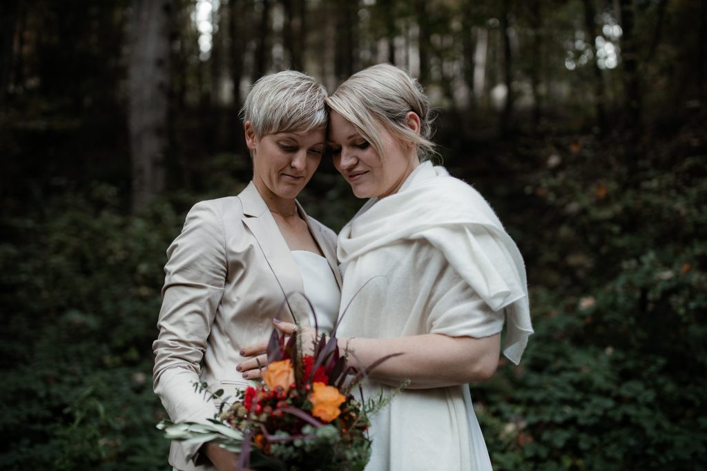 After-Wedding-Shooting im Karlstal - Maja und Nathalie 26