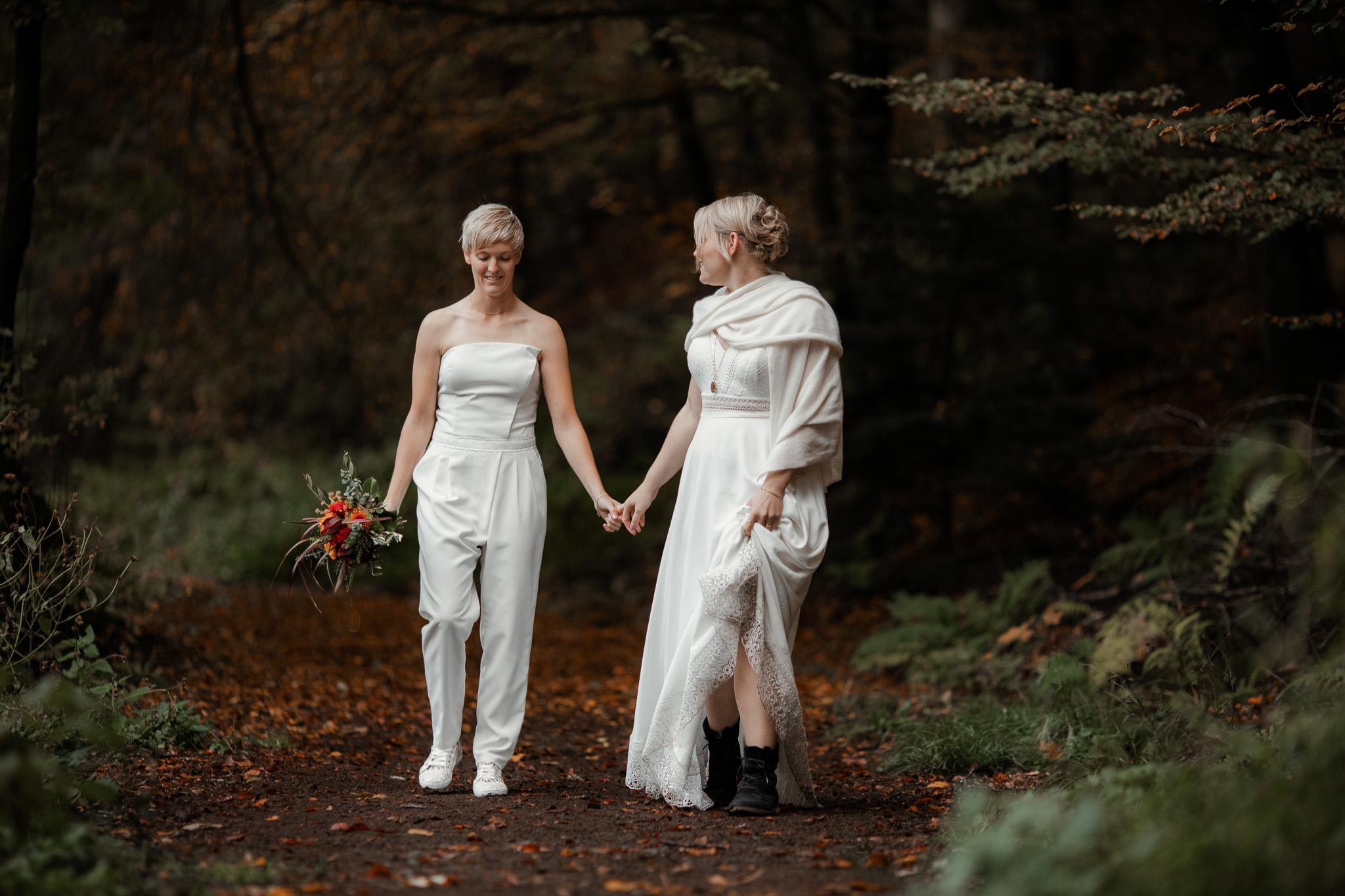 Hochzeitsfotos im Karlstal bei Trippstadt - Maja und Nathalie 4