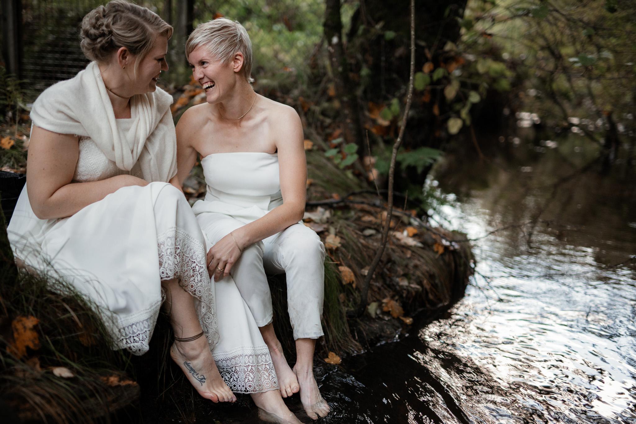 Hochzeitsfotos im Karlstal bei Trippstadt - Maja und Nathalie 3