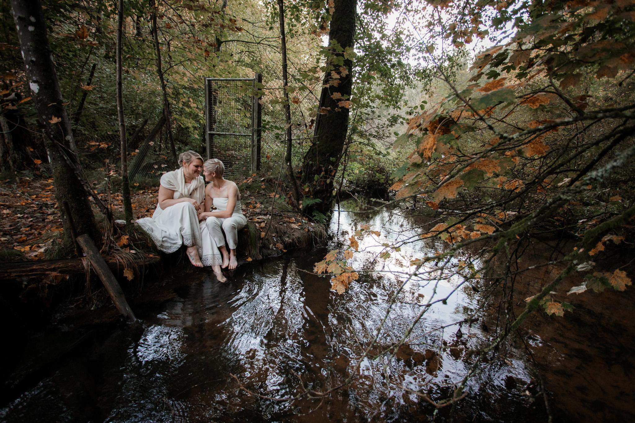 Hochzeitsfotos im Karlstal bei Trippstadt - Maja und Nathalie 2