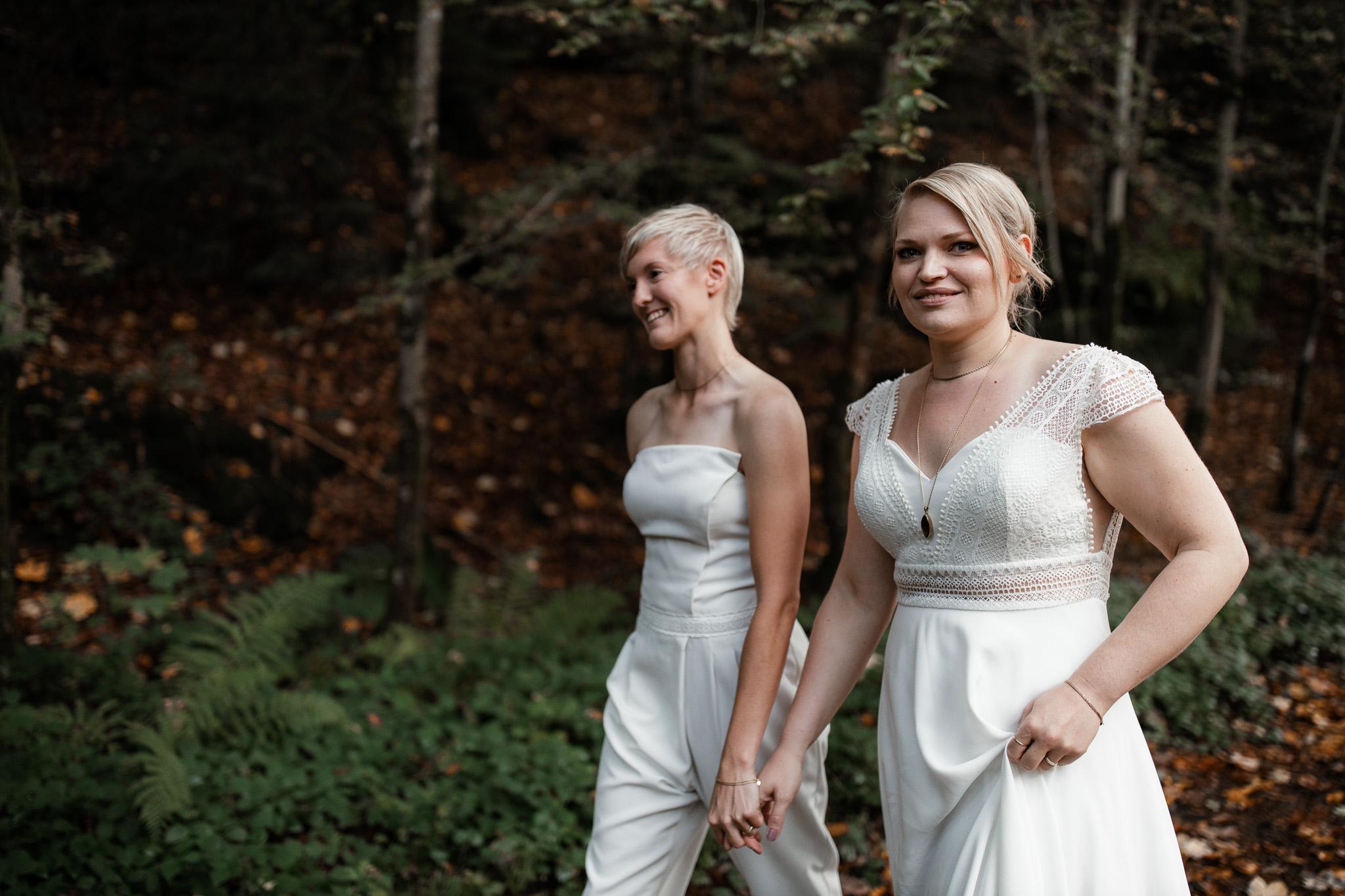 Hochzeitsfotos im Karlstal bei Trippstadt - Maja und Nathalie 38