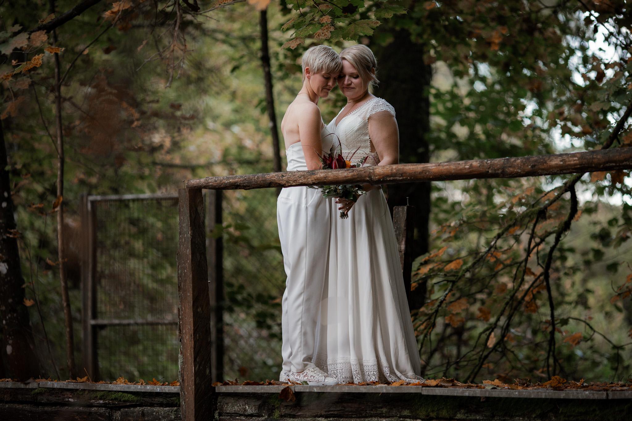 Hochzeitsfotos im Karlstal bei Trippstadt - Maja und Nathalie 36