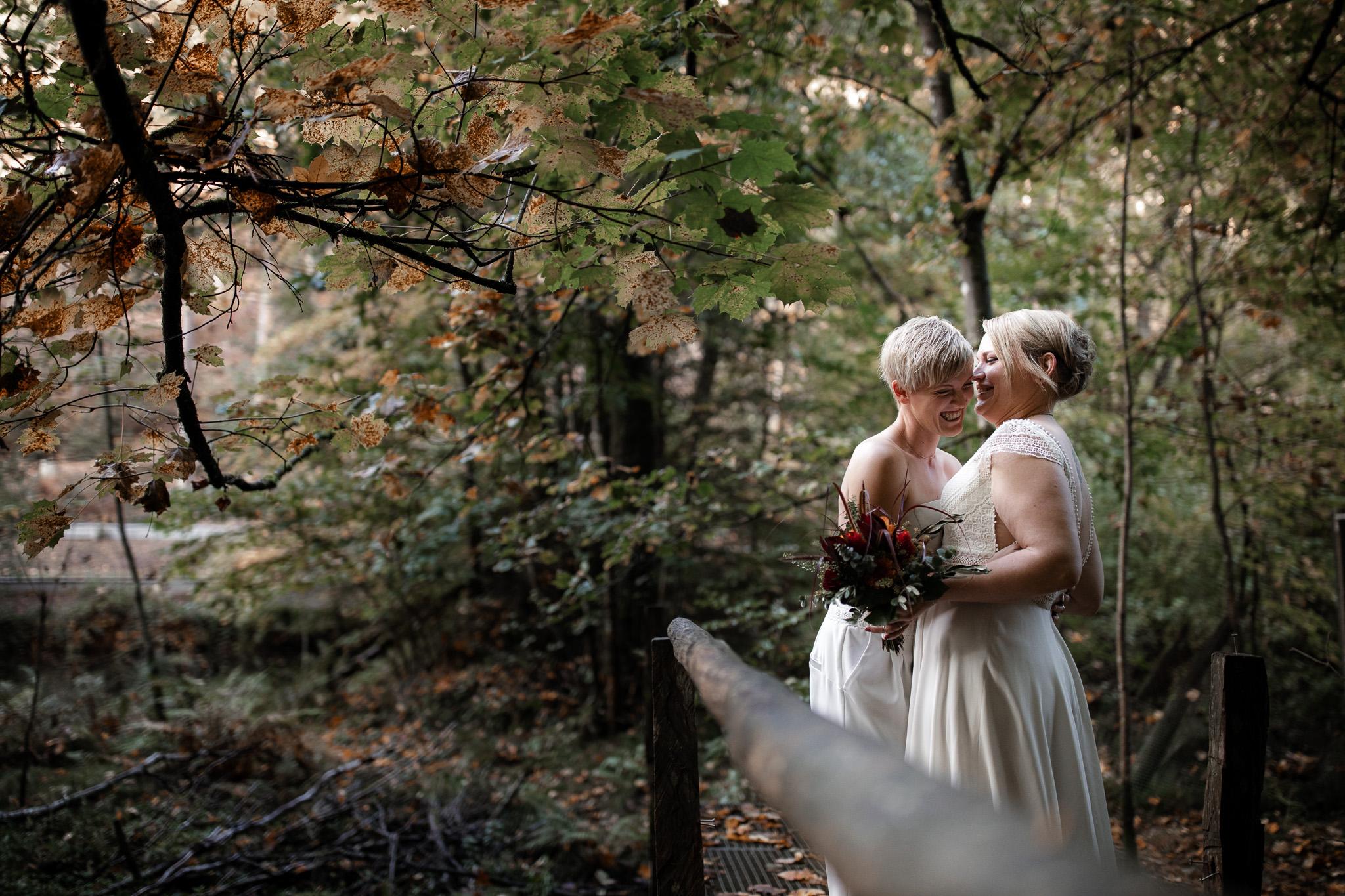 Hochzeitsfotos im Karlstal bei Trippstadt - Maja und Nathalie 35