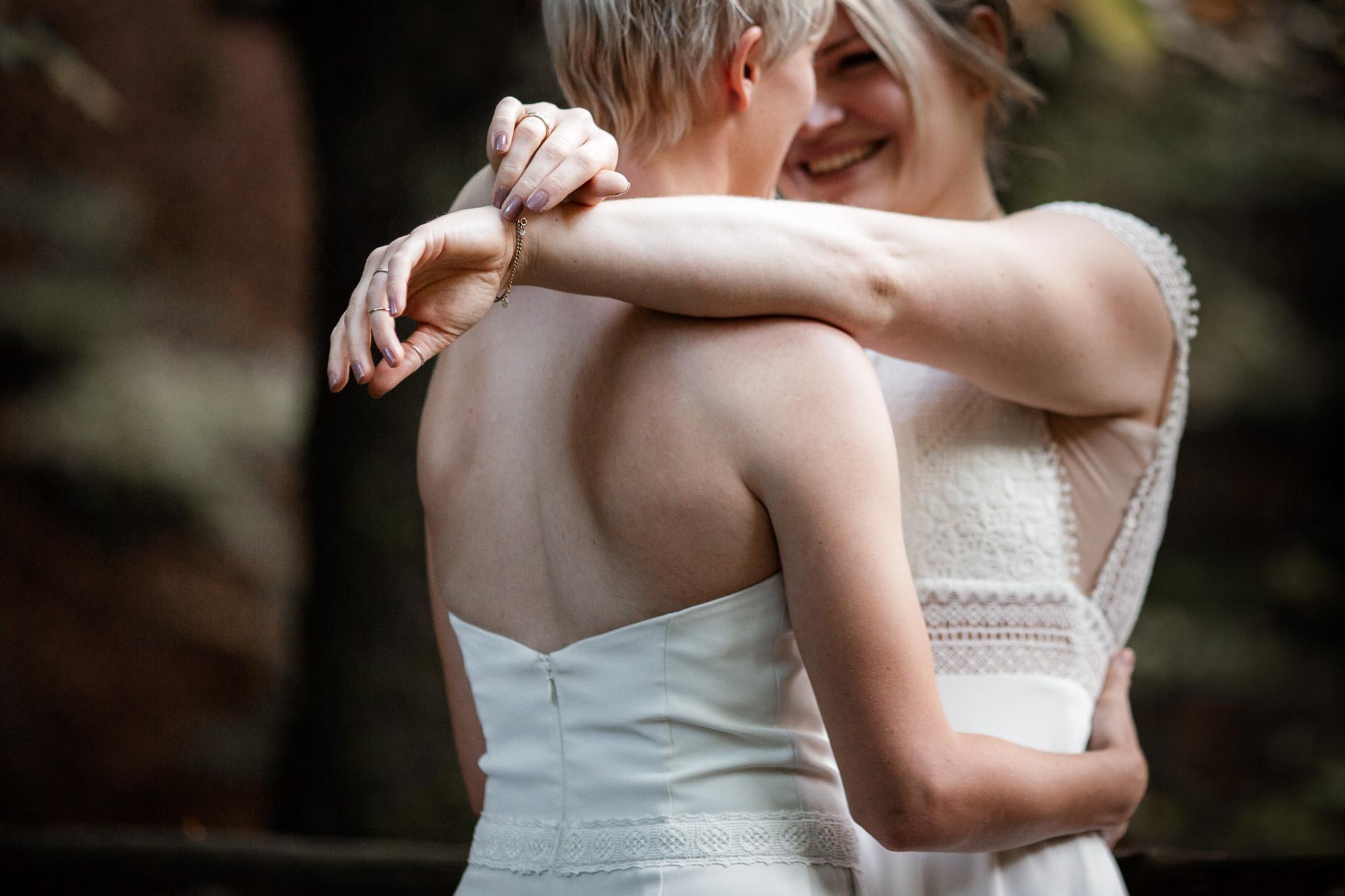 Hochzeitsfotos im Karlstal bei Trippstadt - Maja und Nathalie 34