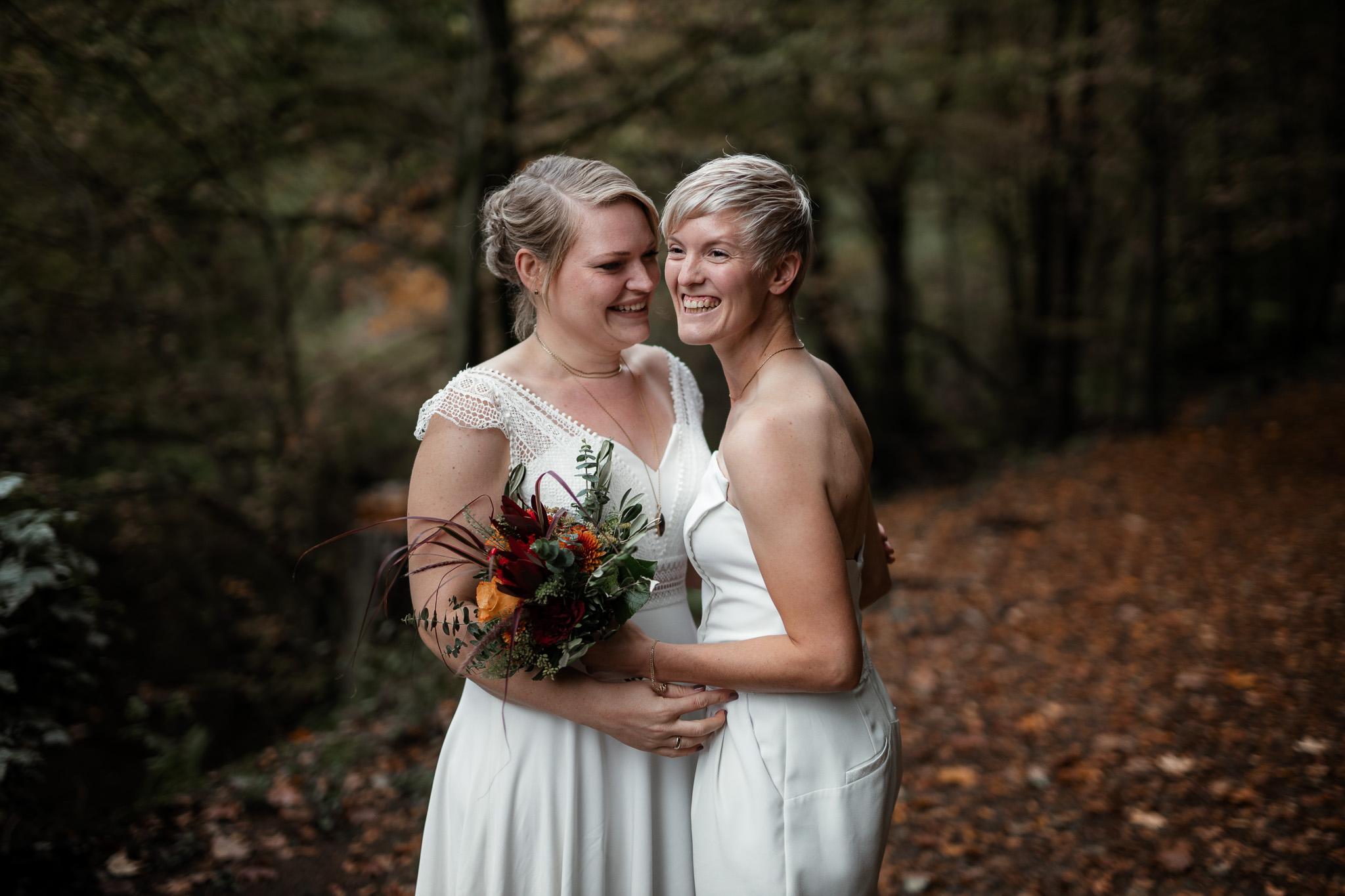 Hochzeitsfotos im Karlstal bei Trippstadt - Maja und Nathalie 43