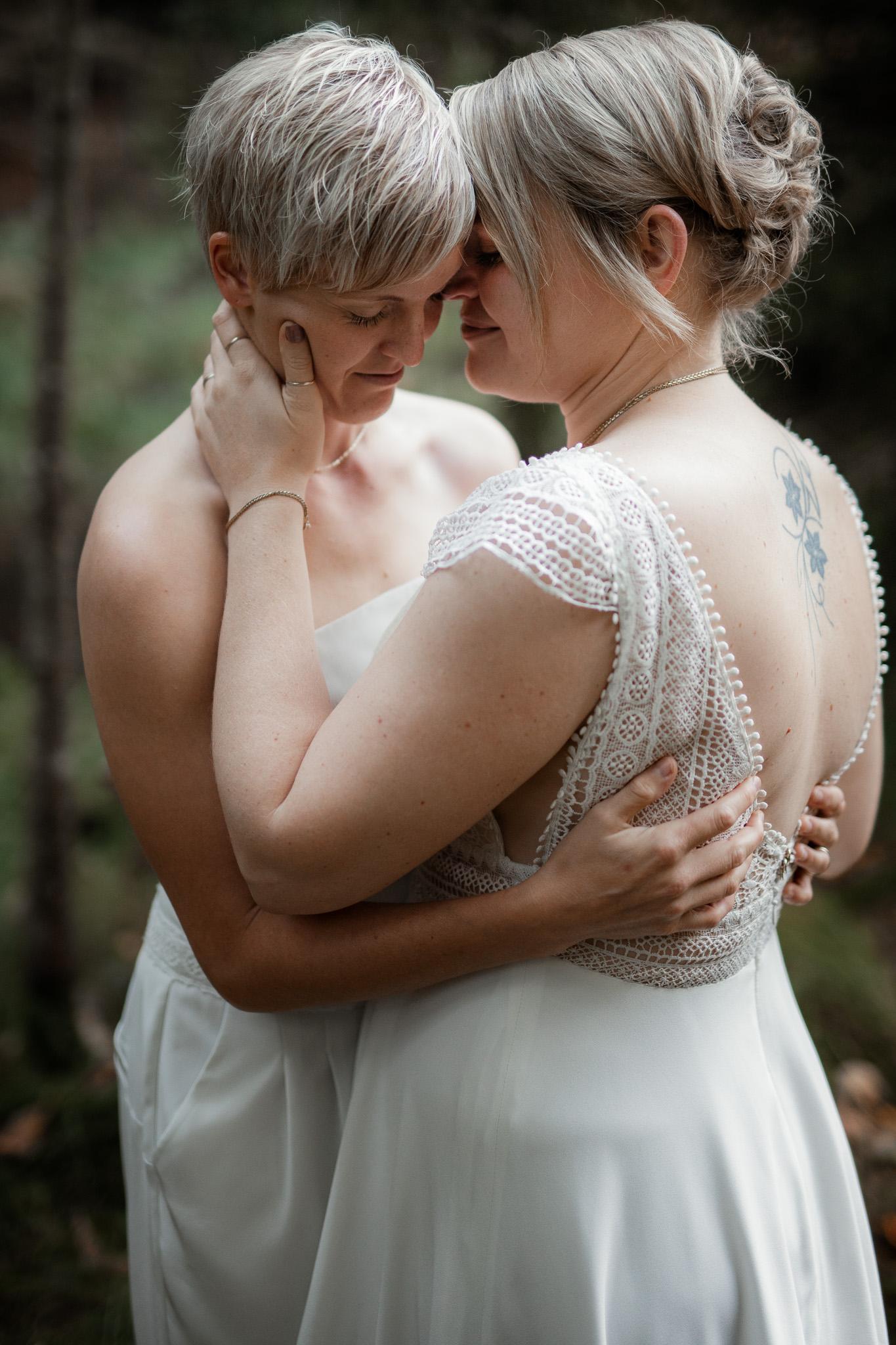 Hochzeitsfotos im Karlstal bei Trippstadt - Maja und Nathalie 28