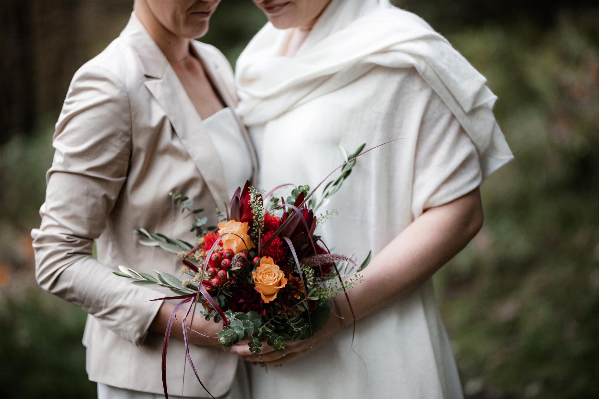 Hochzeitsfotos im Karlstal bei Trippstadt - Maja und Nathalie 24