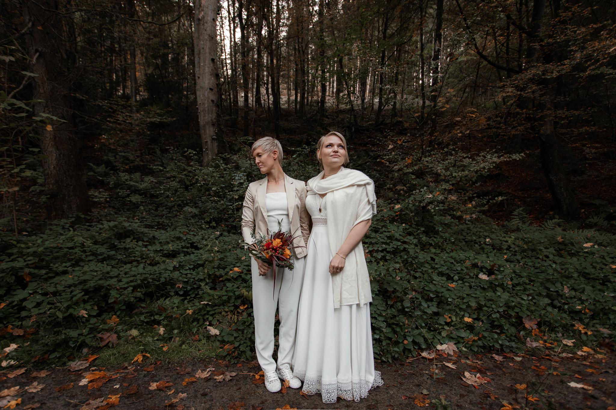 Hochzeitsfotos im Karlstal bei Trippstadt - Maja und Nathalie 21