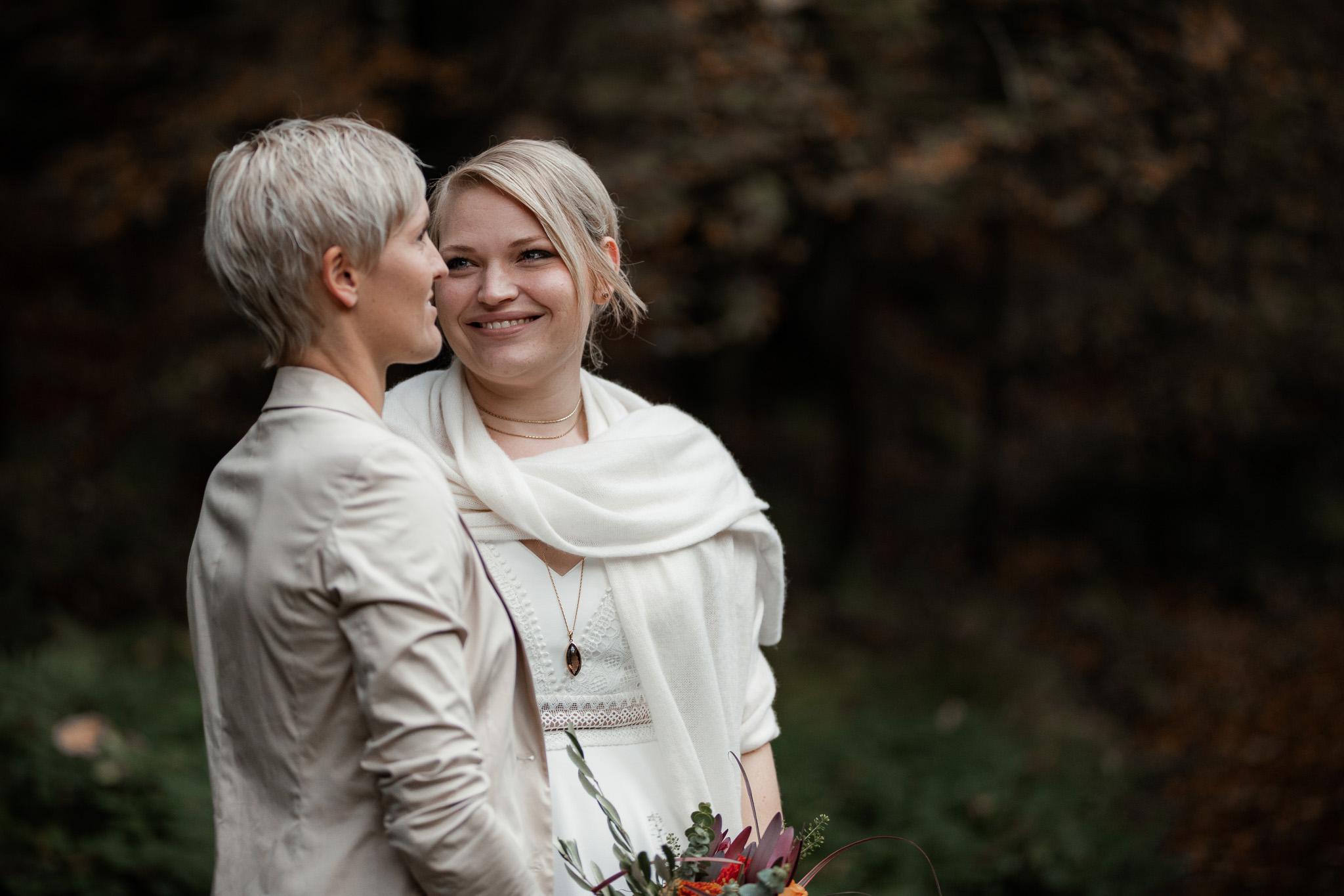 Hochzeitsfotos im Karlstal bei Trippstadt - Maja und Nathalie 20