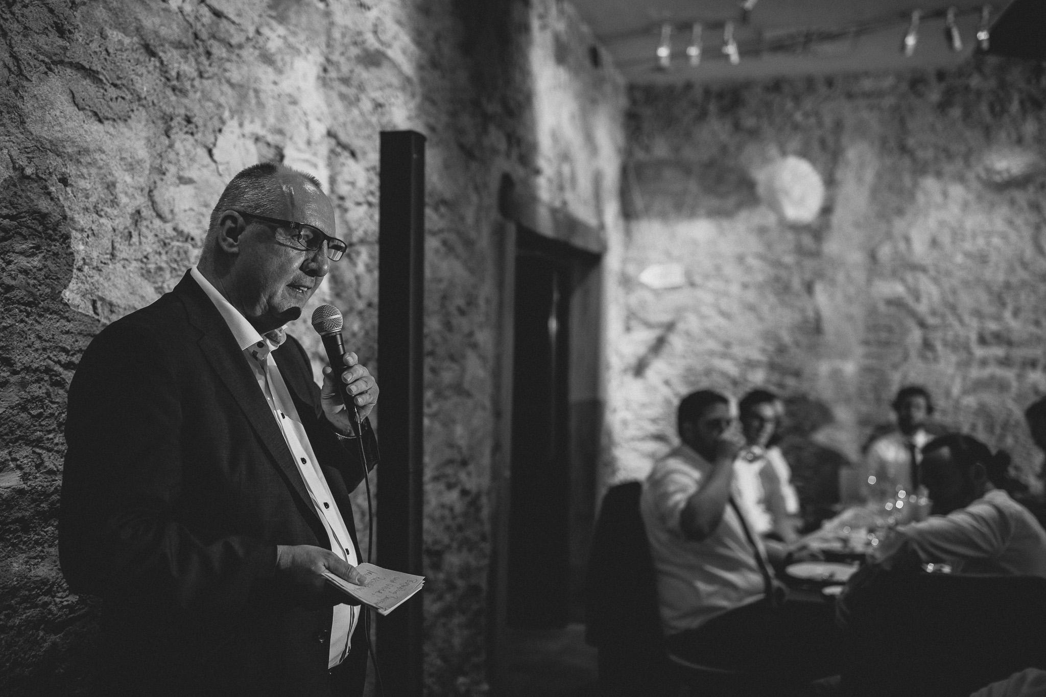 Als Hochzeitsfotograf in Eltville - Freie Trauung im Weingut Baron Knyphausen 78