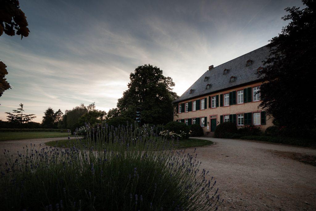 Das Herrenhaus des Weinguts Baron Knyphausen in Eltville.