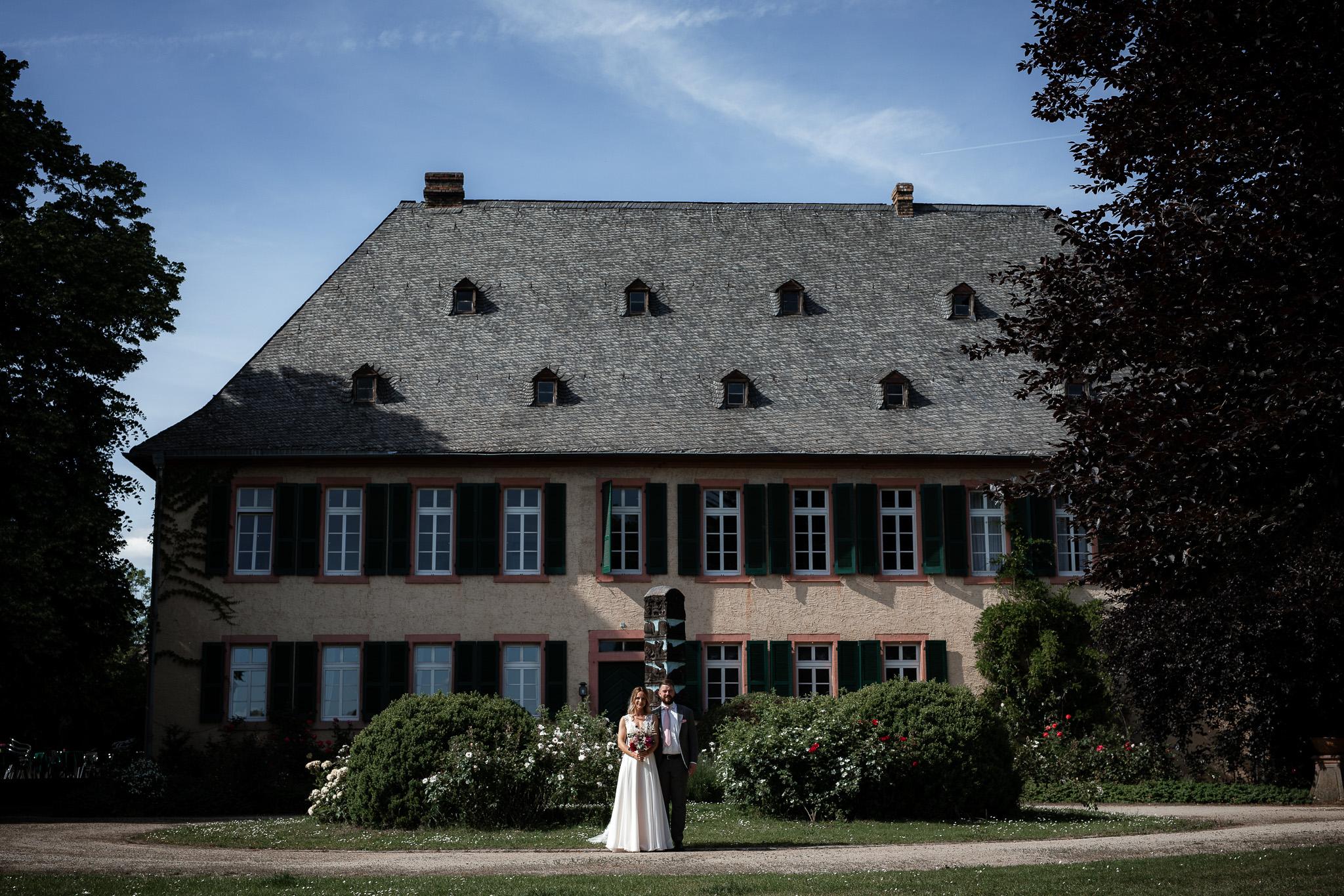 Als Hochzeitsfotograf in Eltville - Freie Trauung im Weingut Baron Knyphausen 41