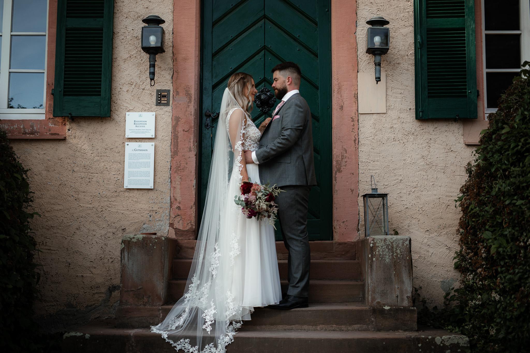 Als Hochzeitsfotograf in Eltville - Freie Trauung im Weingut Baron Knyphausen 43