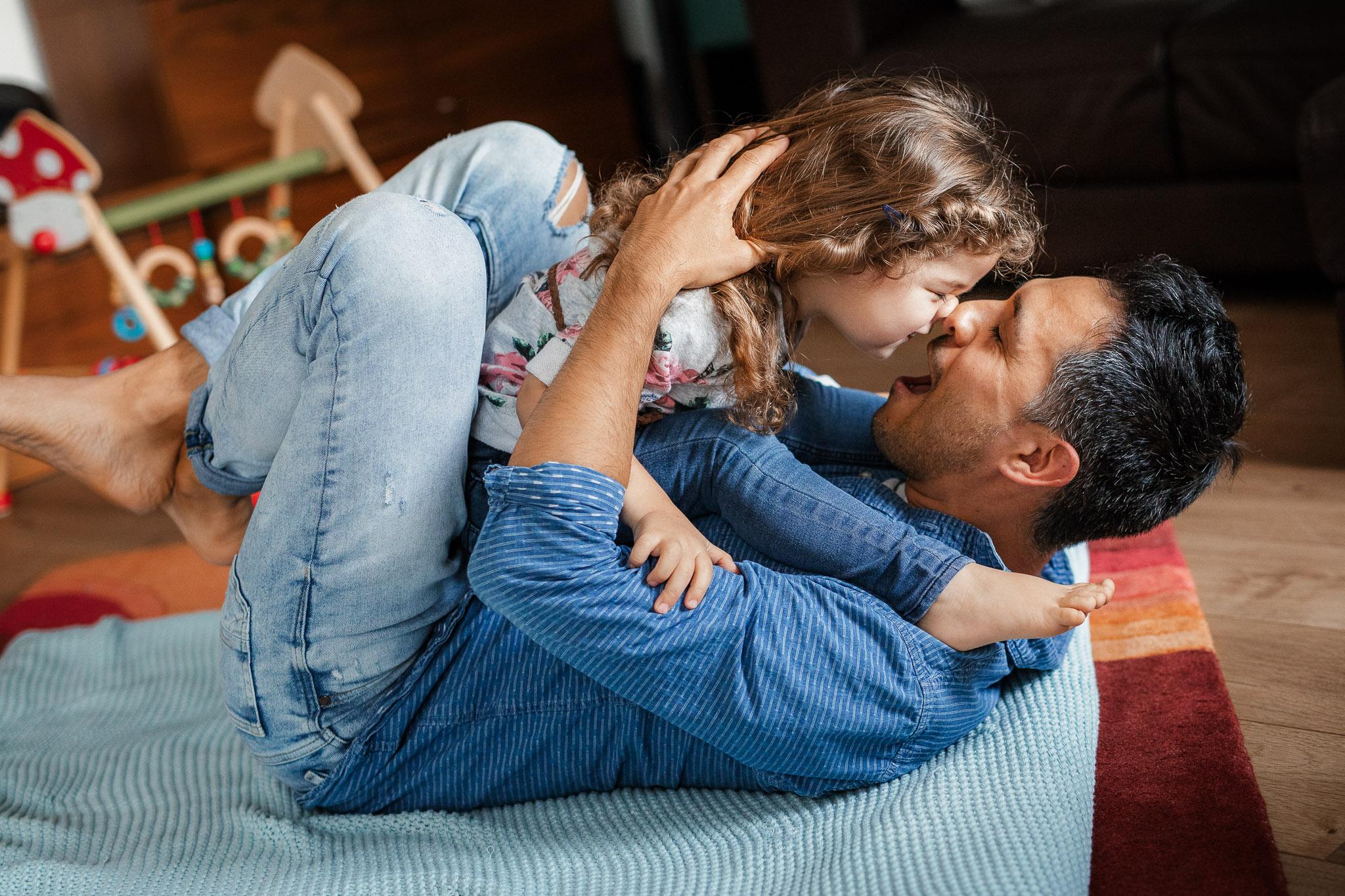 Familienfotos Worms: Homestory mit Diego, Elke und den Kids 7