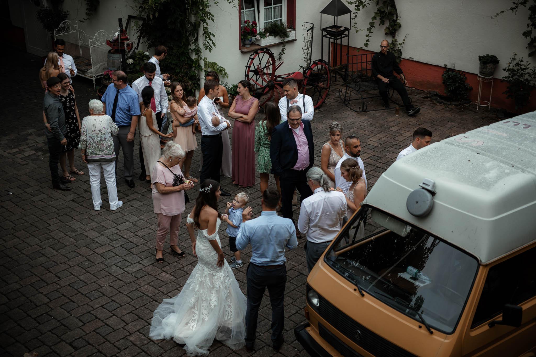 Als Hochzeitsfotograf im Weingewölbe San Martin in Bermersheim 51
