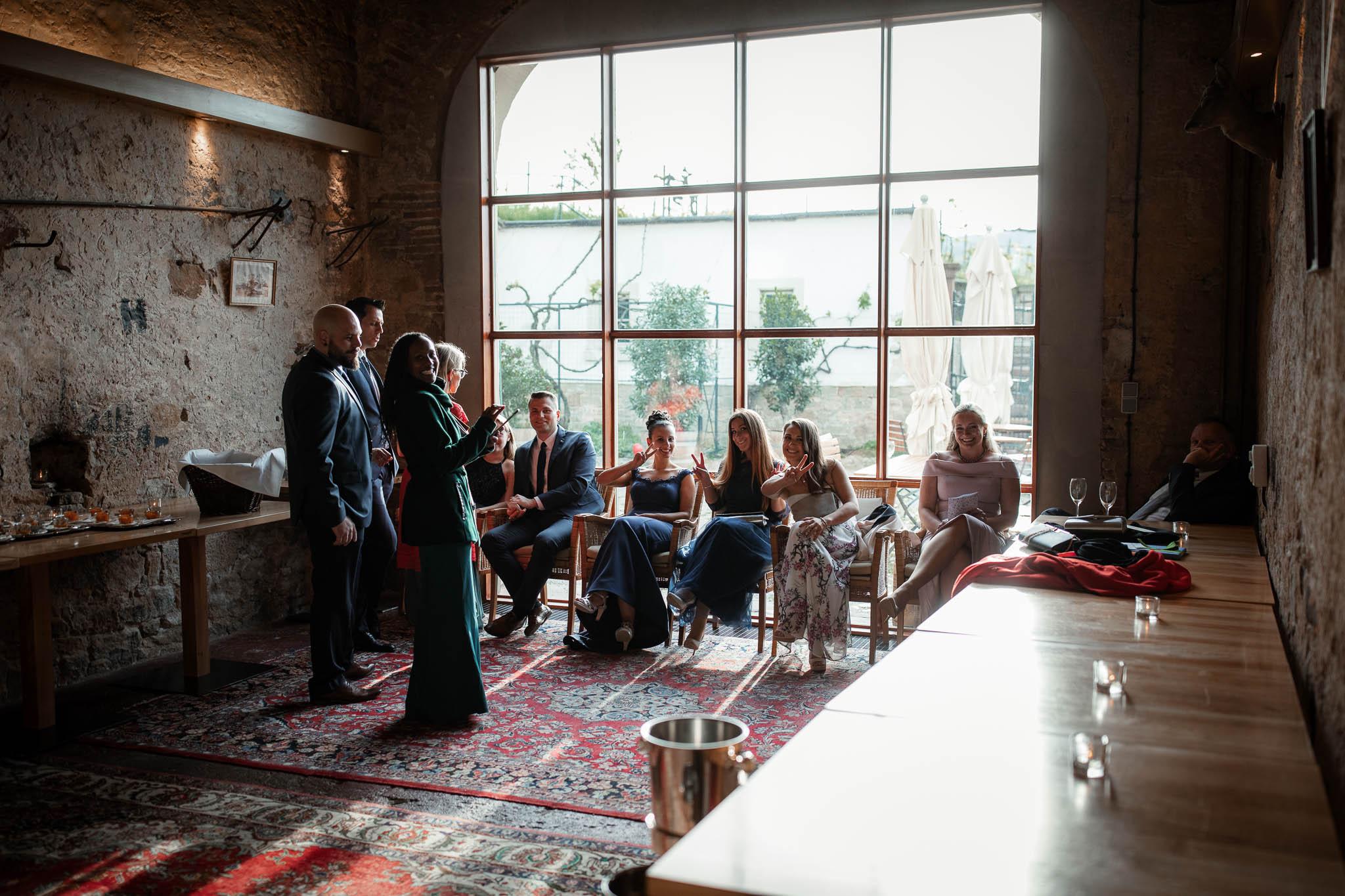 Als Hochzeitsfotograf im Hofgut Ruppertsberg: Hochzeit von Lisa und Max mit freier Trauung 106