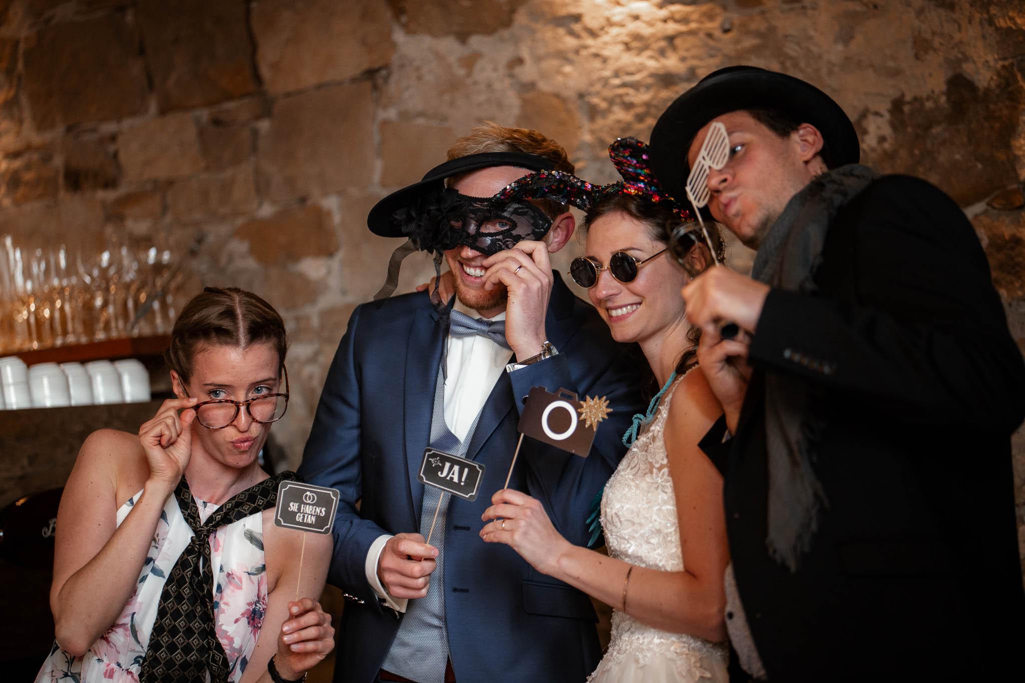 Als Hochzeitsfotograf im Hofgut Ruppertsberg: Hochzeit von Lisa und Max mit freier Trauung 110