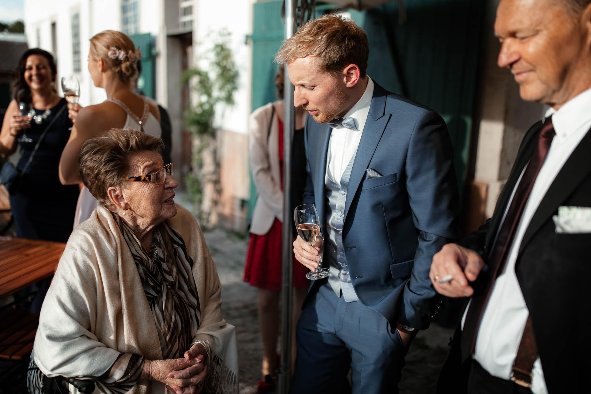 Als Hochzeitsfotograf im Hofgut Ruppertsberg: Hochzeit von Lisa und Max mit freier Trauung 113