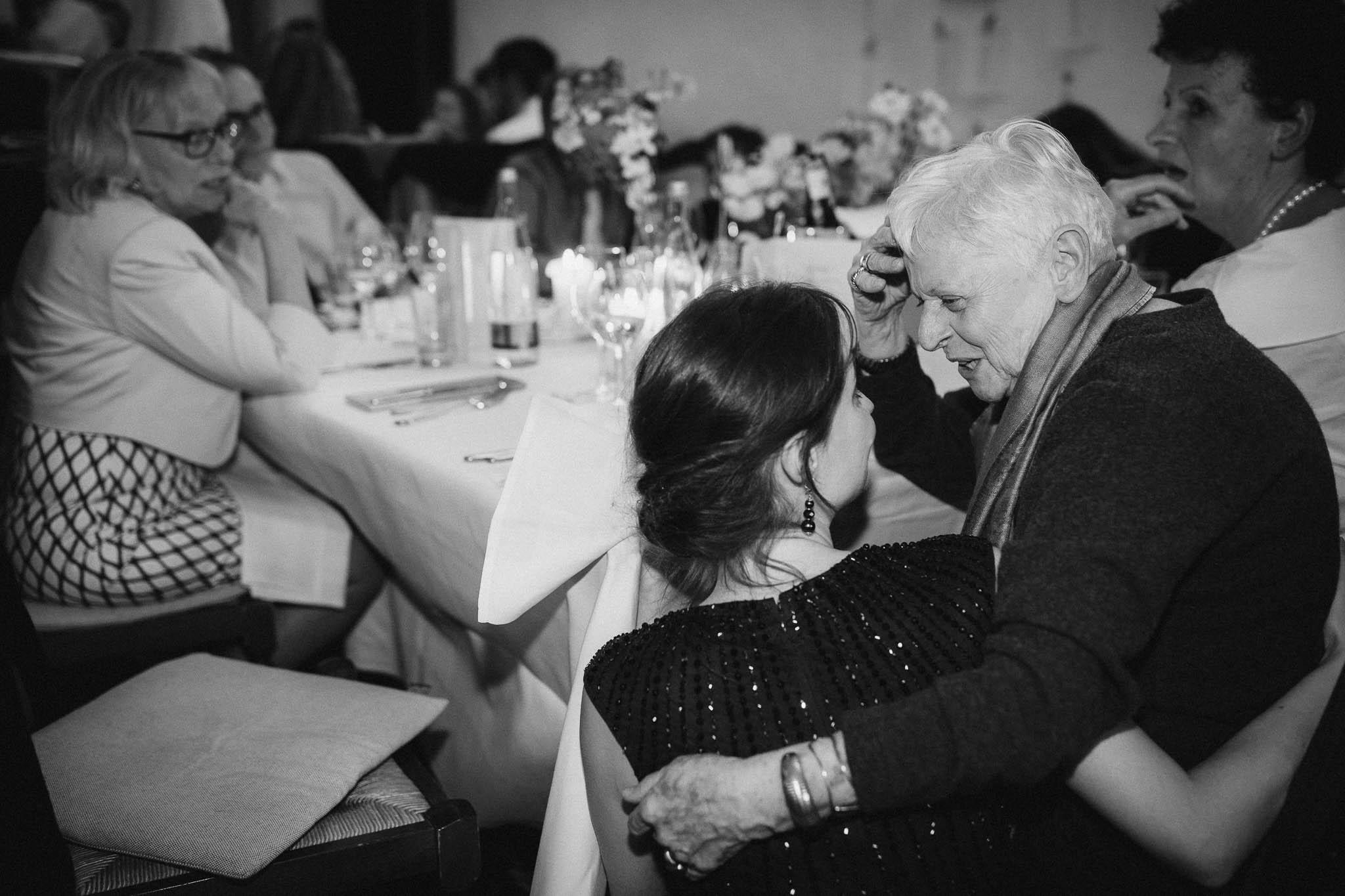 Als Hochzeitsfotograf im Hofgut Ruppertsberg: Hochzeit von Lisa und Max mit freier Trauung 123