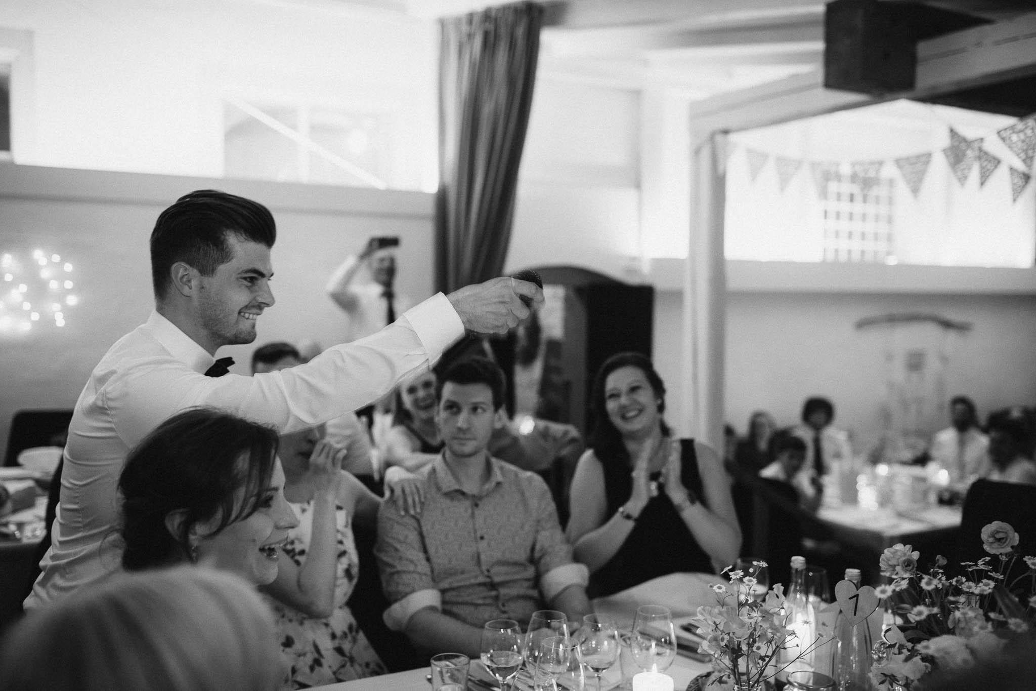 Als Hochzeitsfotograf im Hofgut Ruppertsberg: Hochzeit von Lisa und Max mit freier Trauung 131