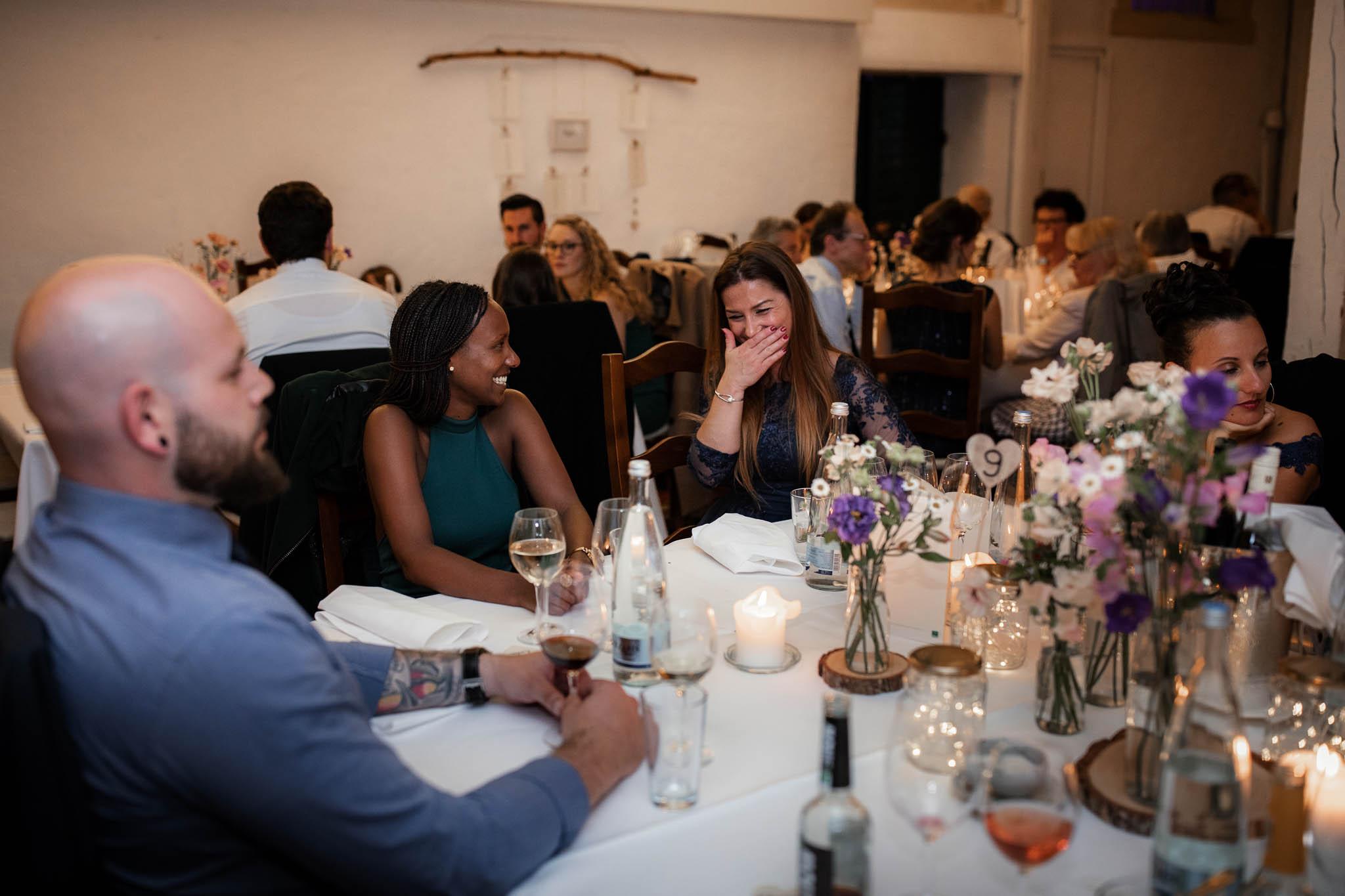 Als Hochzeitsfotograf im Hofgut Ruppertsberg: Hochzeit von Lisa und Max mit freier Trauung 130