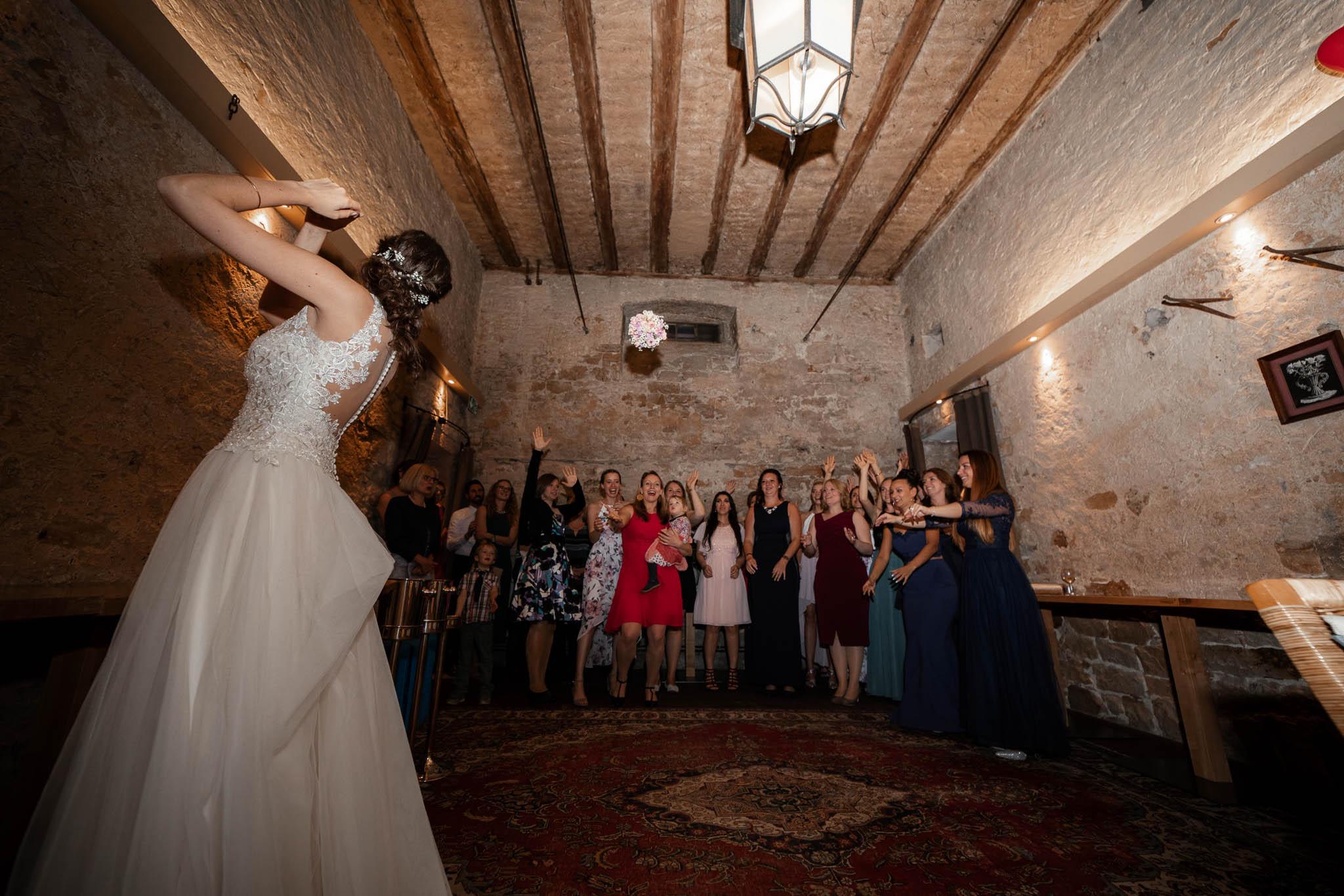 Als Hochzeitsfotograf im Hofgut Ruppertsberg: Hochzeit von Lisa und Max mit freier Trauung 134