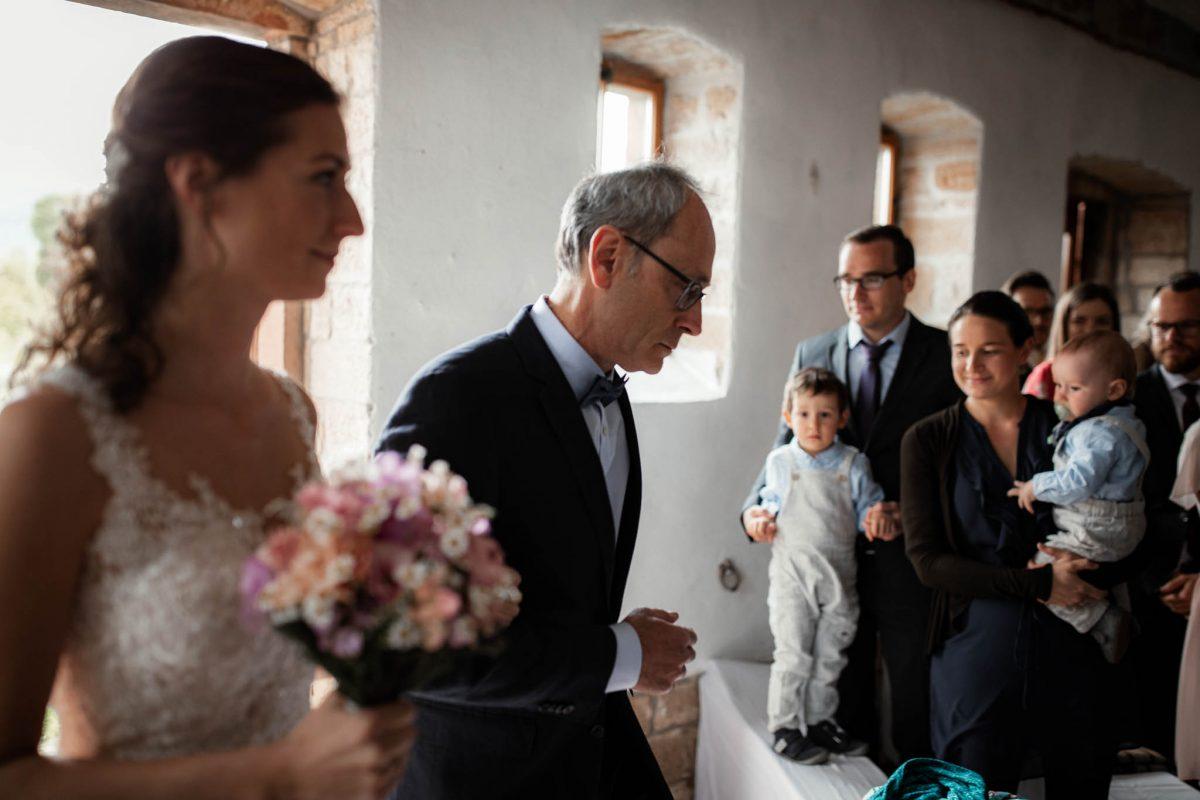 Als Hochzeitsfotograf im Hofgut Ruppertsberg: Freie Trauung von Lisa und Max 16