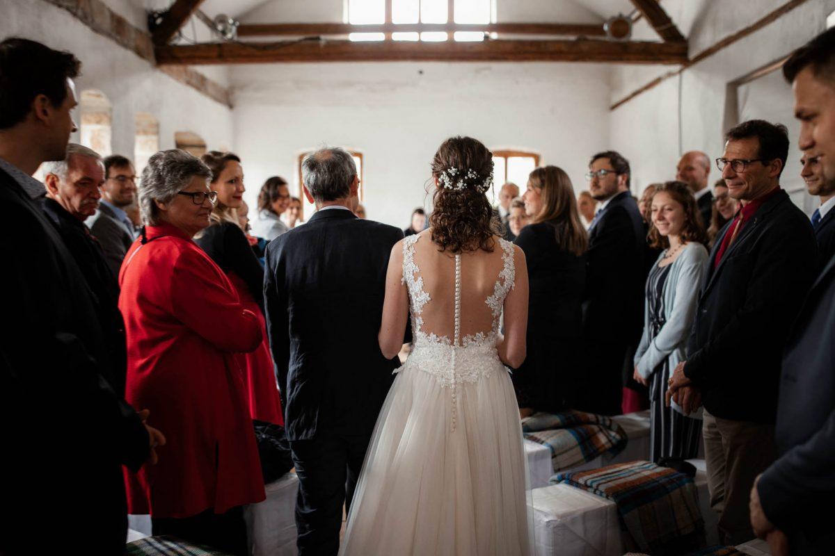 Als Hochzeitsfotograf im Hofgut Ruppertsberg: Freie Trauung von Lisa und Max 18