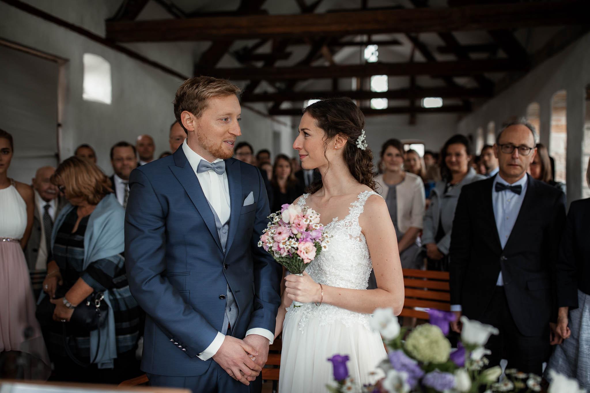 Als Hochzeitsfotograf im Hofgut Ruppertsberg: Hochzeit von Lisa und Max mit freier Trauung 21