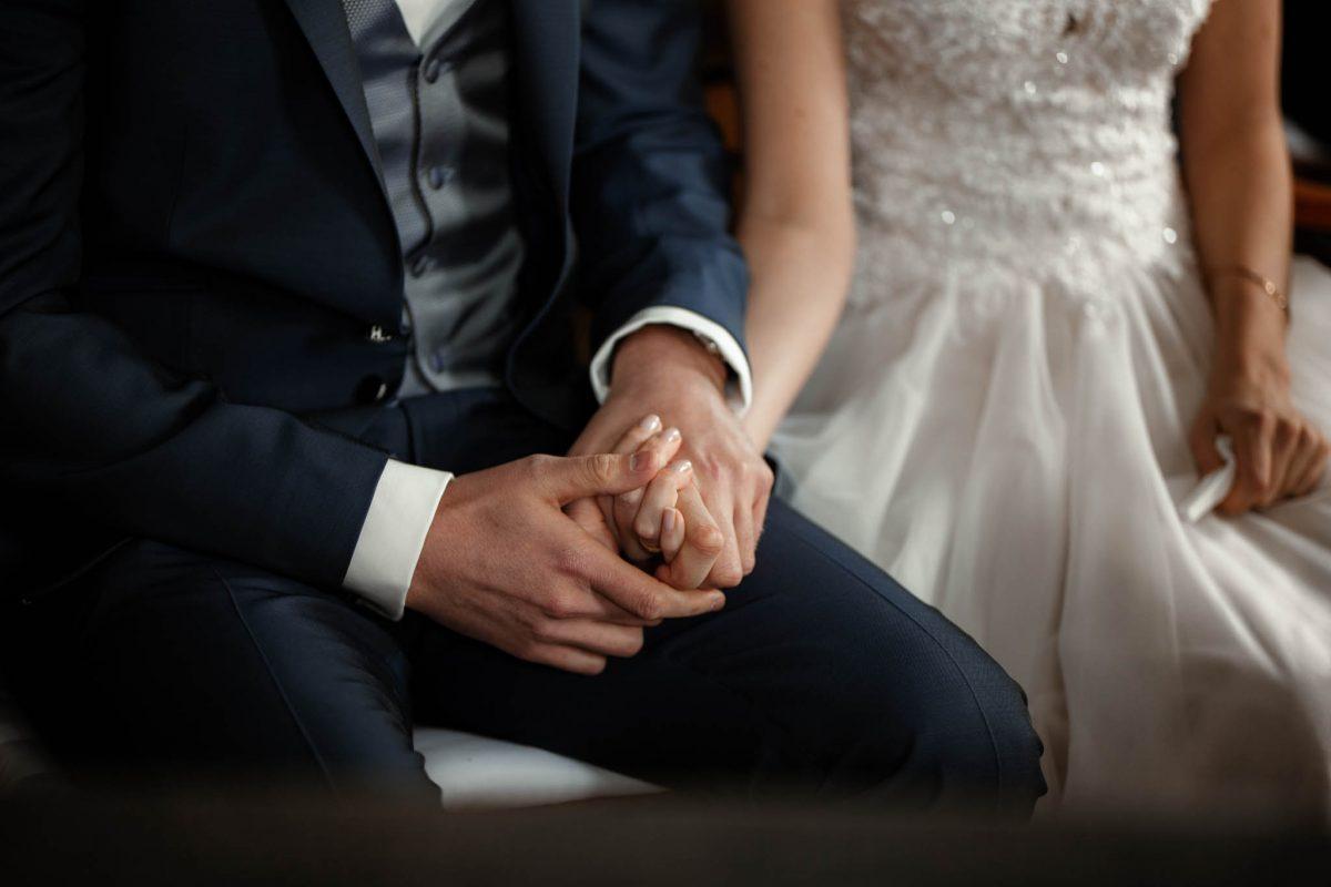 Als Hochzeitsfotograf im Hofgut Ruppertsberg: Freie Trauung von Lisa und Max 24