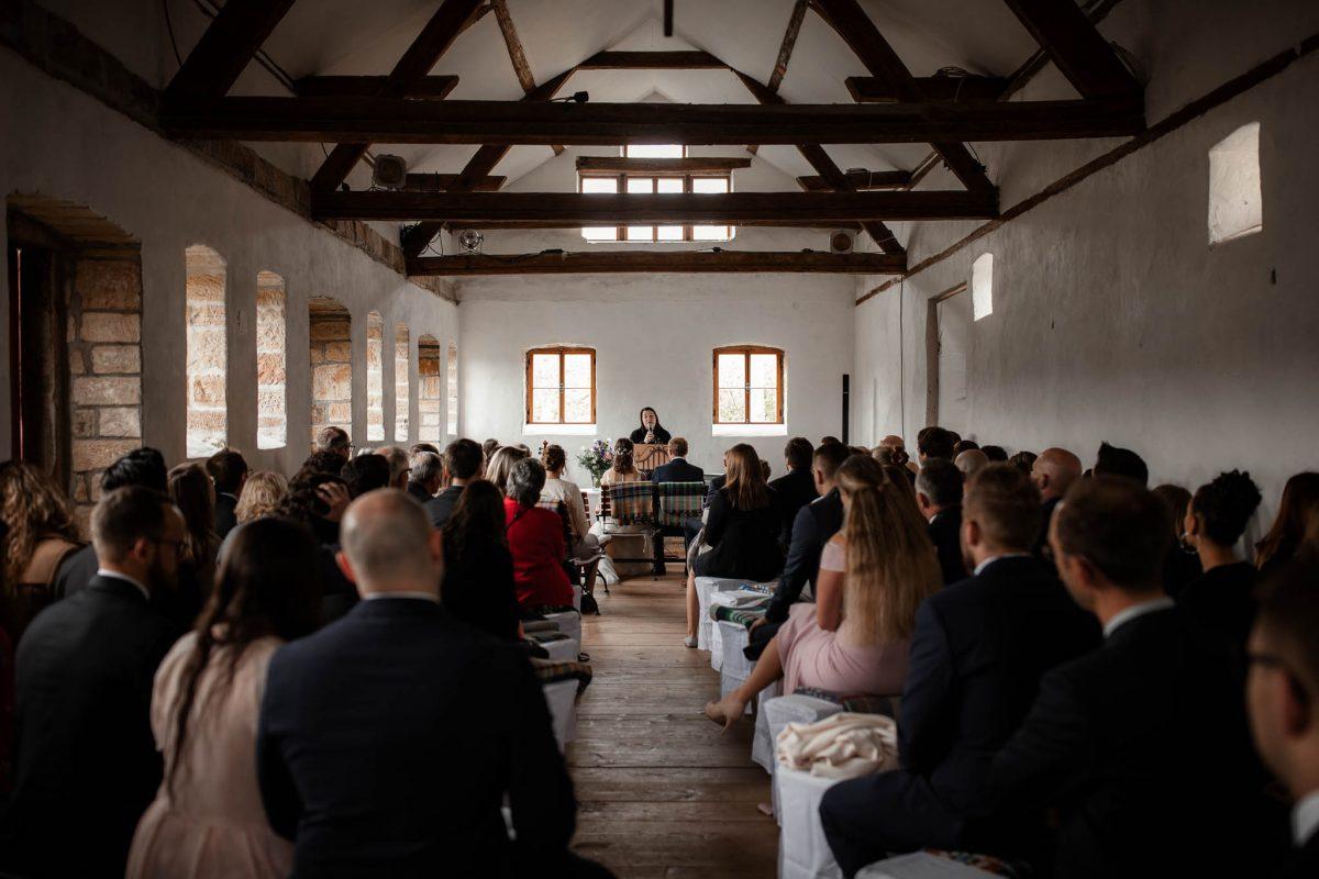 Als Hochzeitsfotograf im Hofgut Ruppertsberg: Freie Trauung von Lisa und Max 25