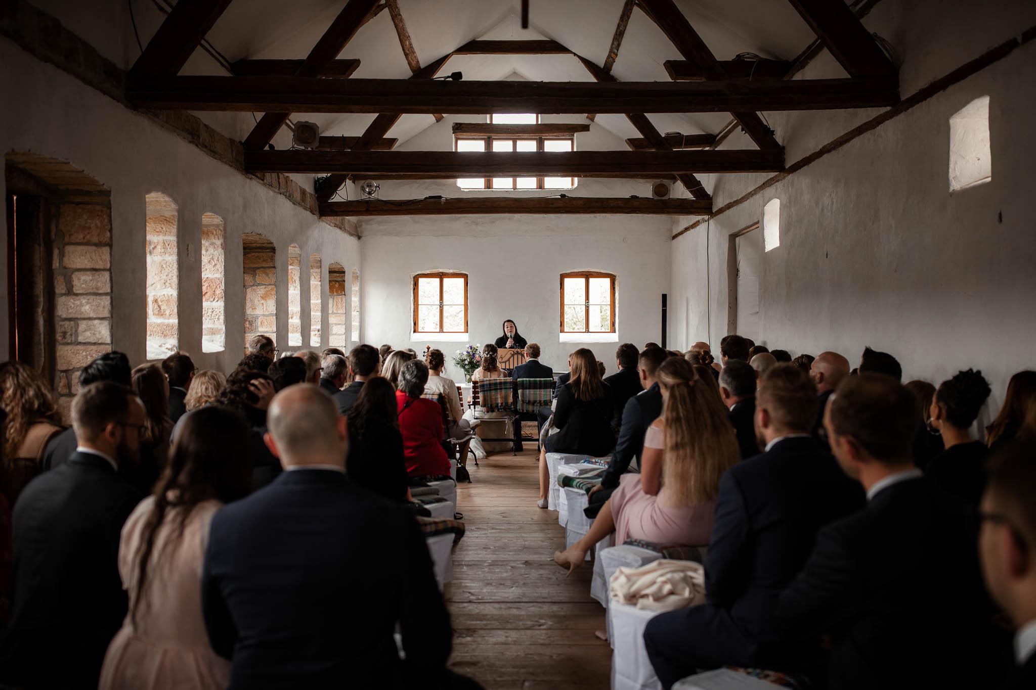 Als Hochzeitsfotograf im Hofgut Ruppertsberg: Hochzeit von Lisa und Max mit freier Trauung 25