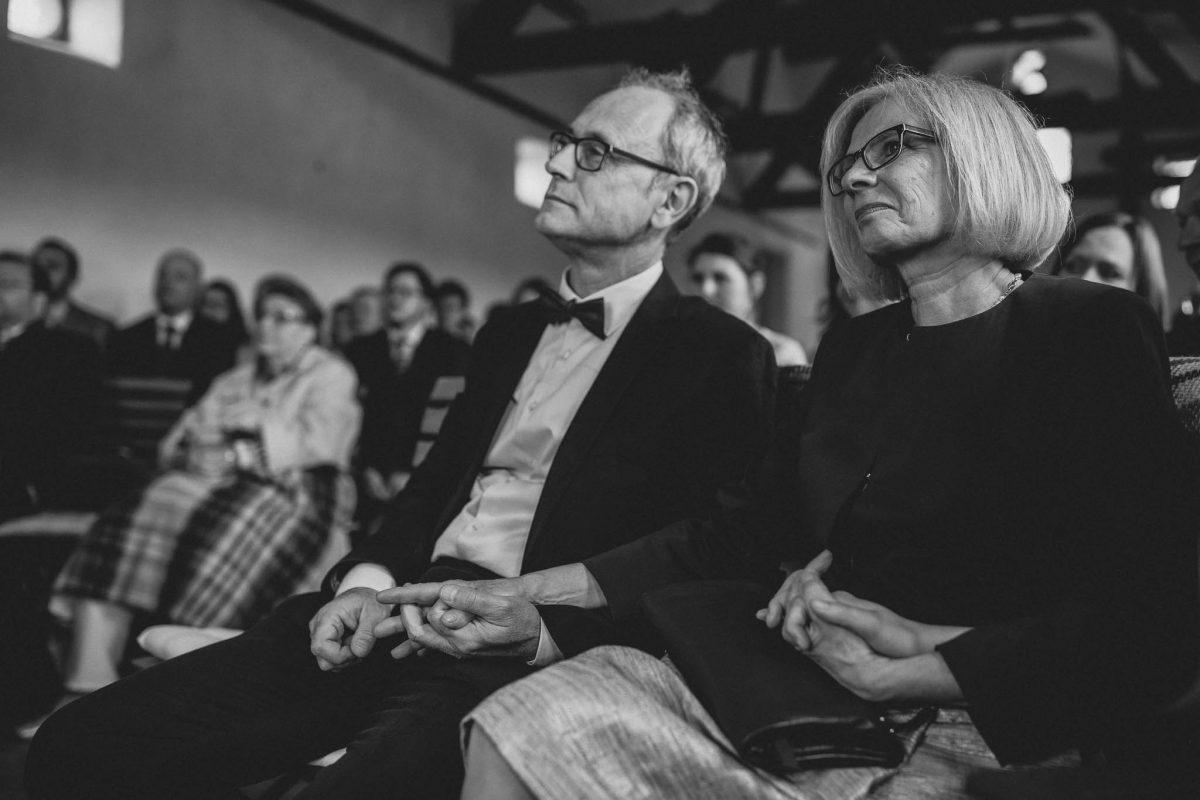 Als Hochzeitsfotograf im Hofgut Ruppertsberg: Freie Trauung von Lisa und Max 27
