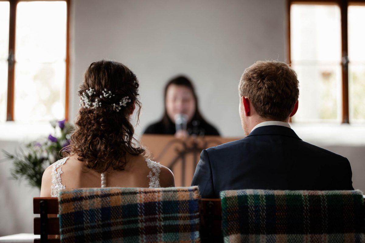 Als Hochzeitsfotograf im Hofgut Ruppertsberg: Freie Trauung von Lisa und Max 28