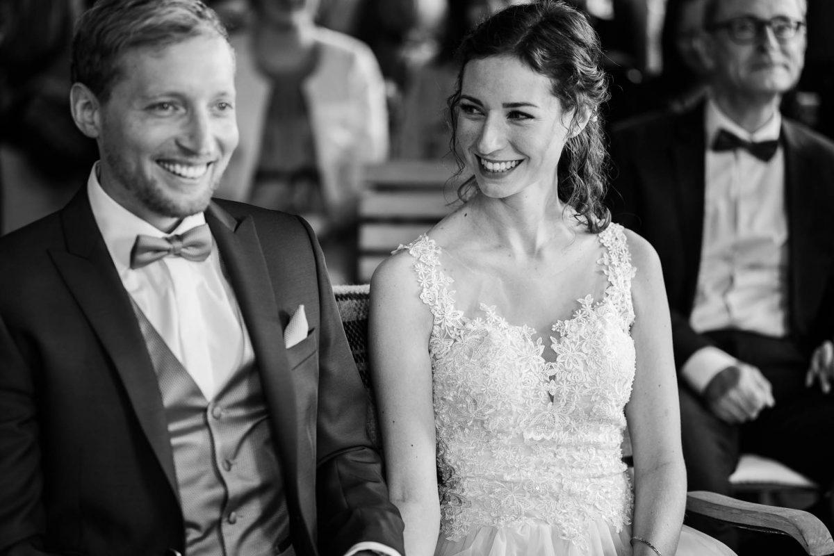 Als Hochzeitsfotograf im Hofgut Ruppertsberg: Freie Trauung von Lisa und Max 30