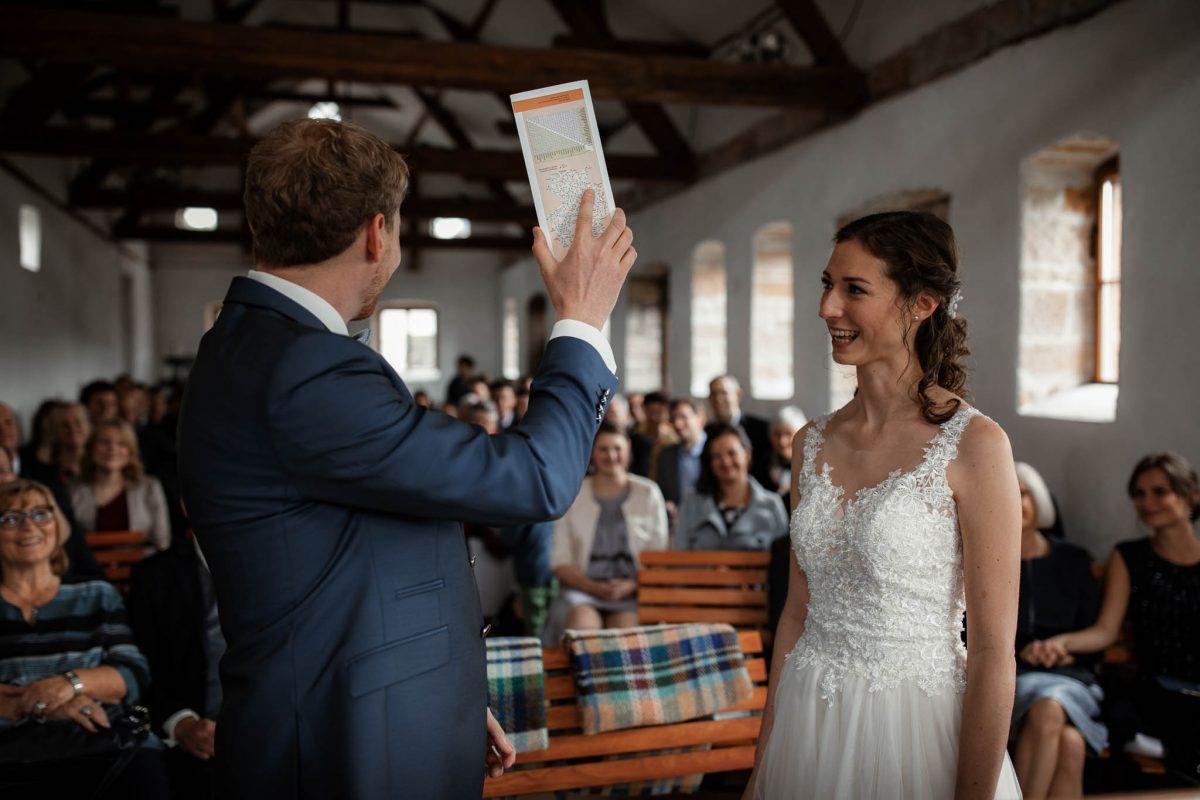 Als Hochzeitsfotograf im Hofgut Ruppertsberg: Freie Trauung von Lisa und Max 34